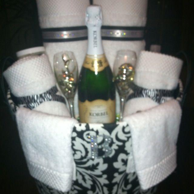 Bridal Shower gift, basket Gift Ideas Pinterest