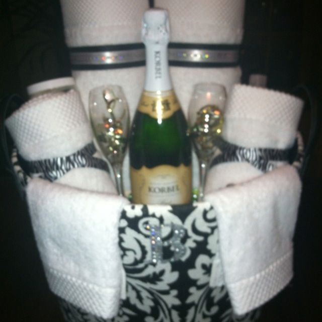 Wedding Shower Gift Ideas Pinterest : Bridal Shower gift, basket Gift Ideas Pinterest