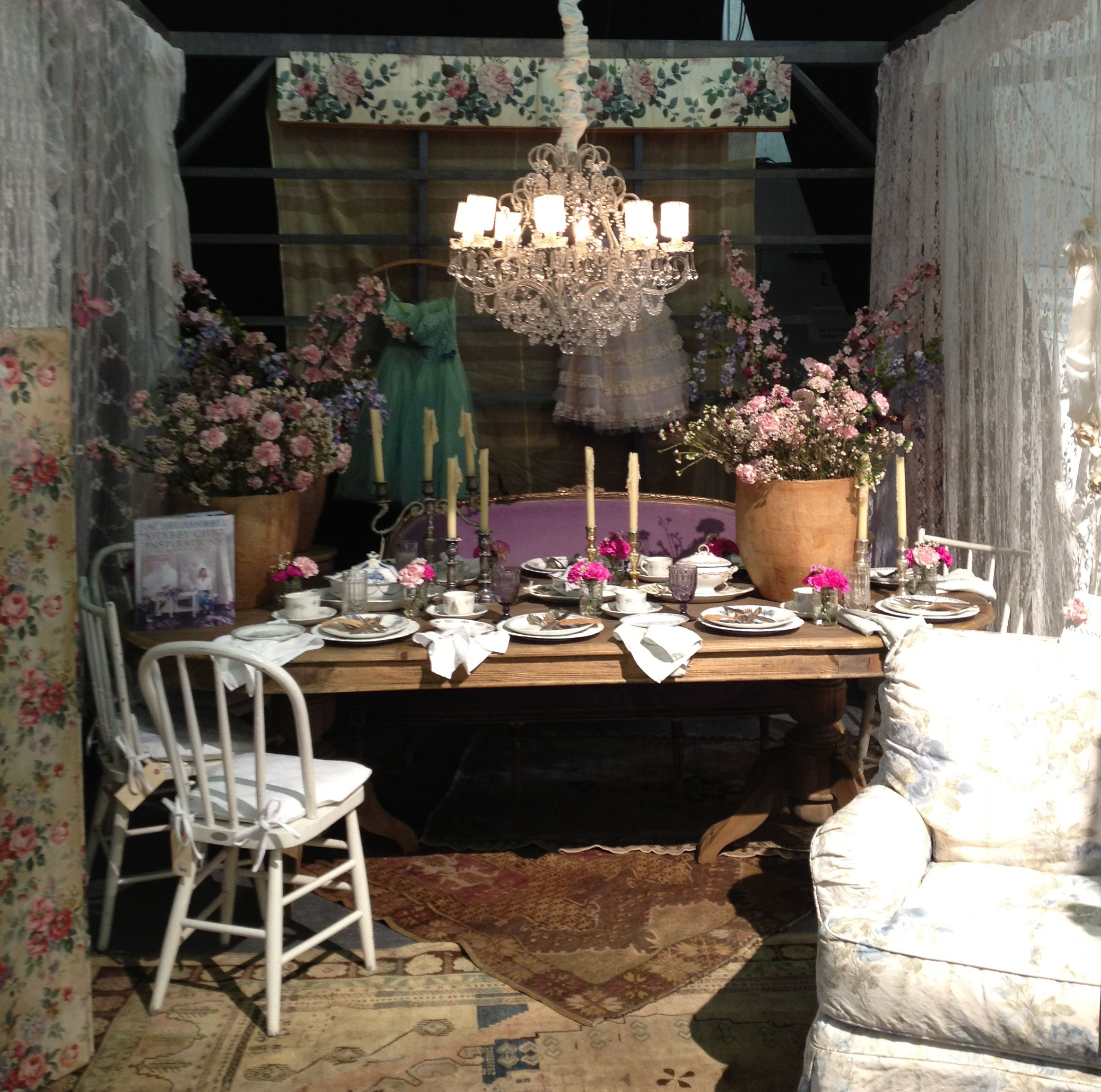 rachel ashwell shabby chic couture shabby pinterest. Black Bedroom Furniture Sets. Home Design Ideas
