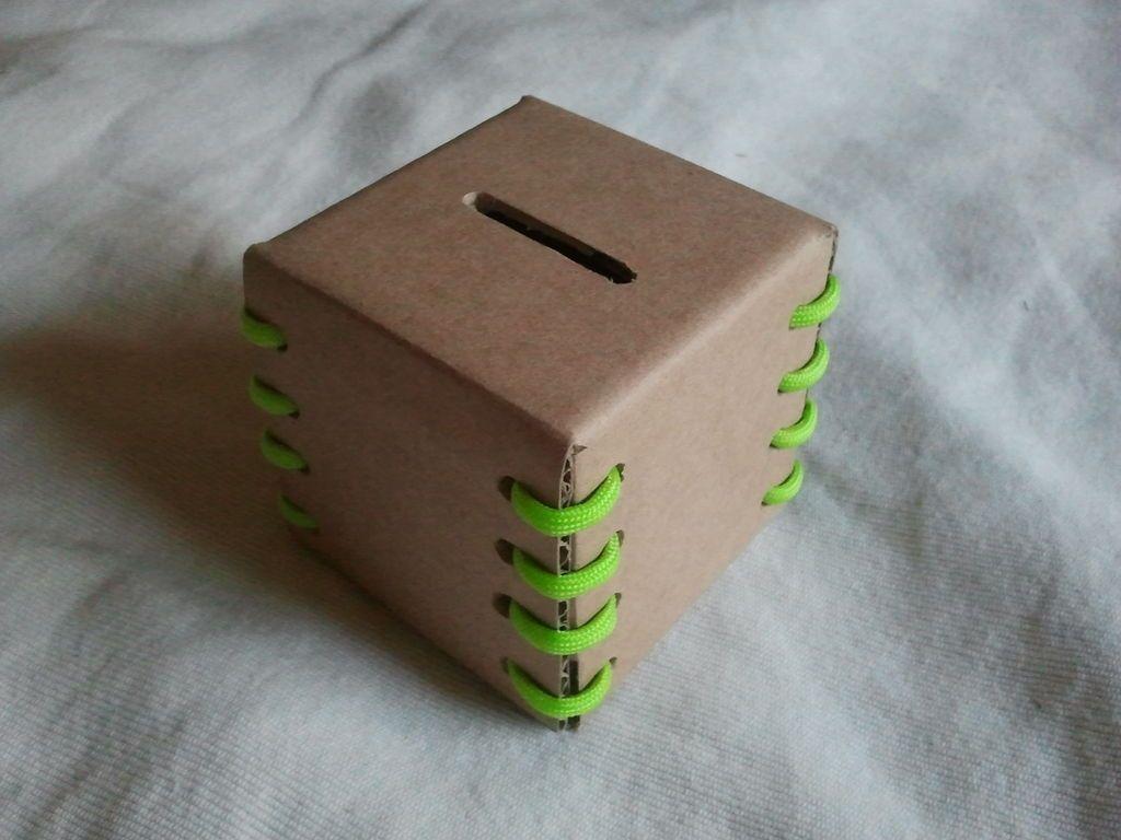 Как сделать копилку из картона в виде домика