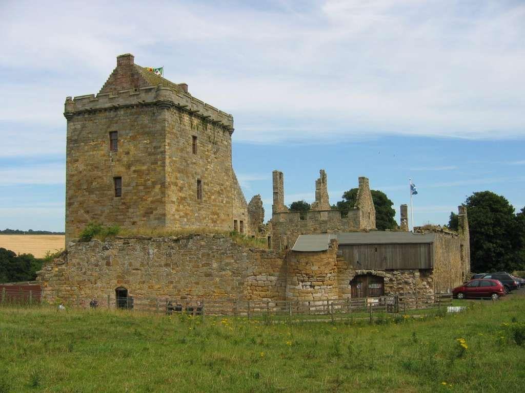 Balgonie Castle Castles Around The World Pinterest
