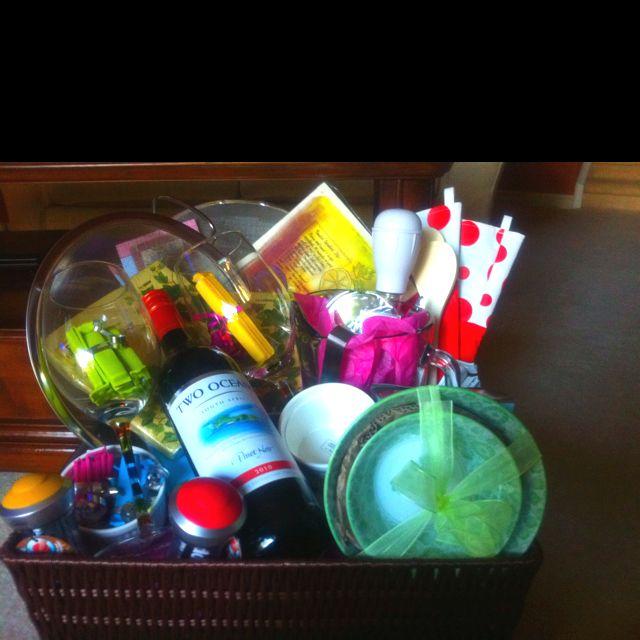 Cute Wedding Gift Basket Ideas : wedding gifts