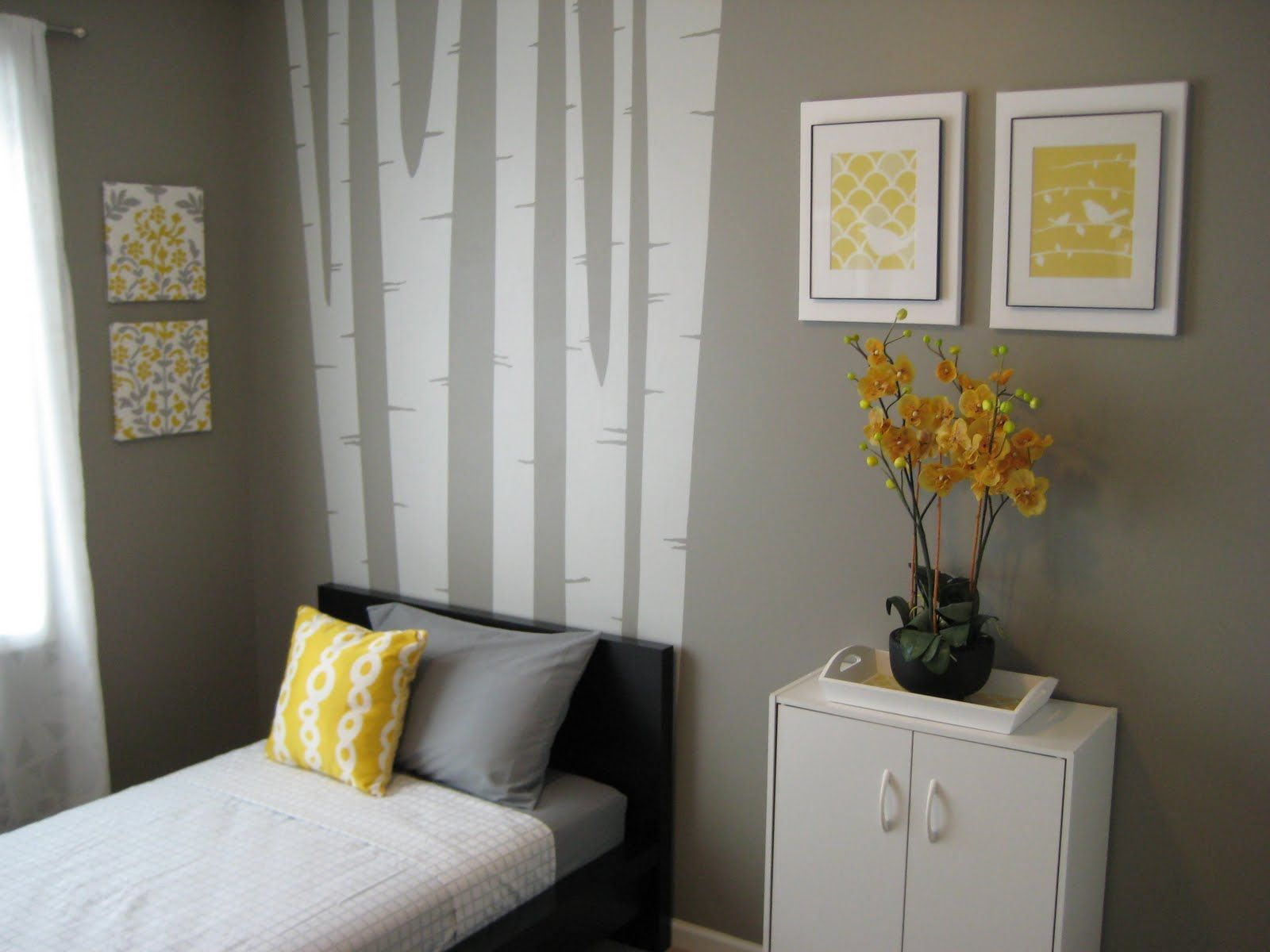 The spare bedroom interior design bedroom and attic for Decorating spare bedroom ideas