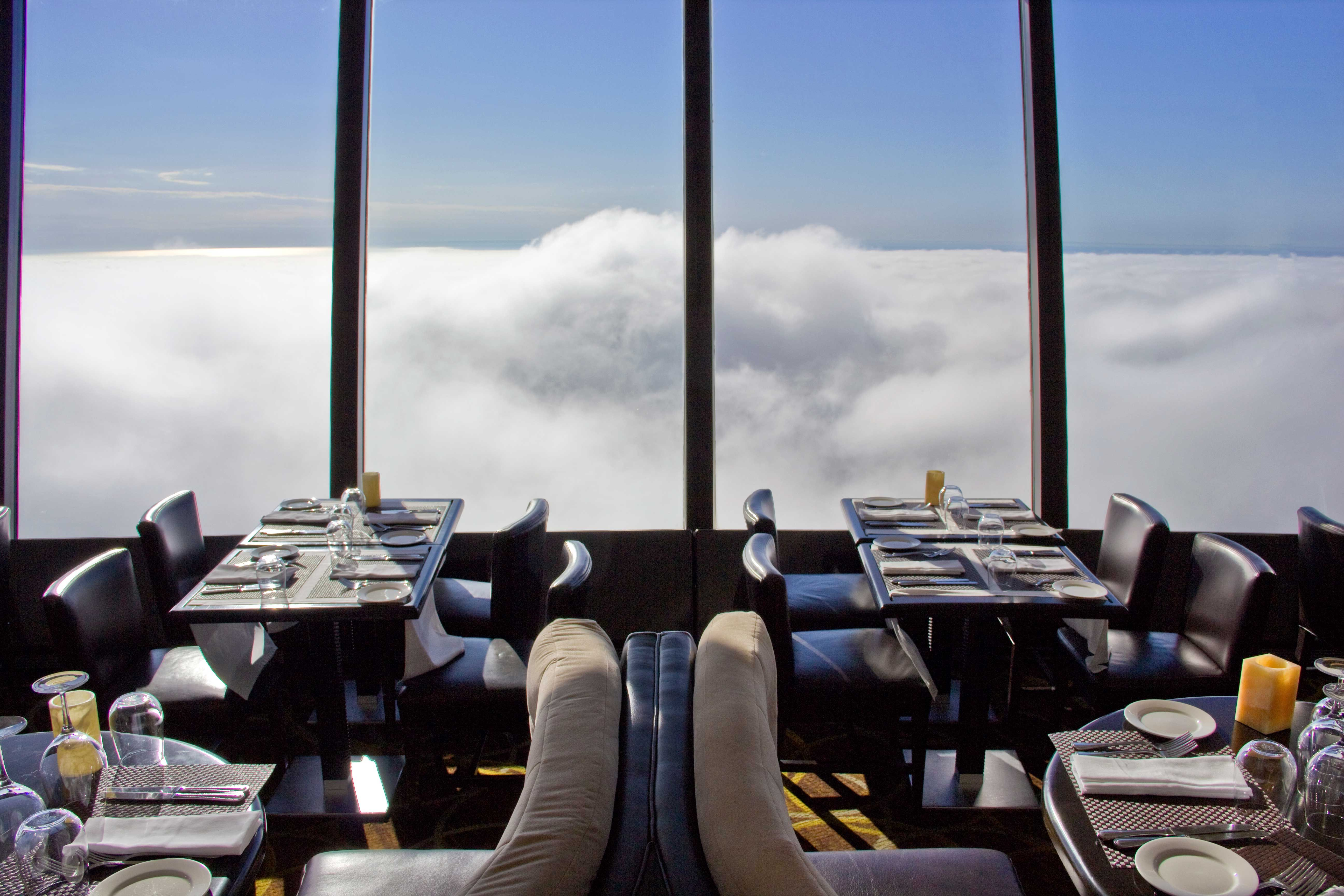 360 restaurant at the cn tower all things toronto. Black Bedroom Furniture Sets. Home Design Ideas