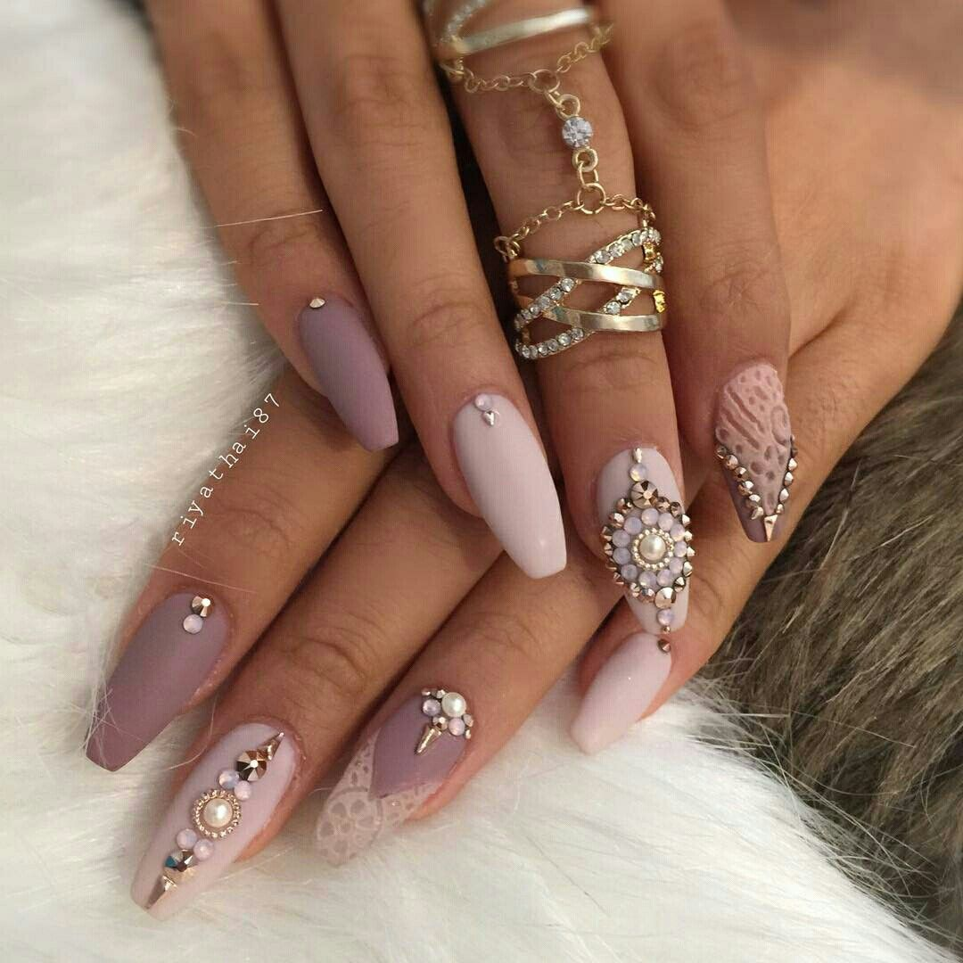 Дизайн длинных ногтей с камнями фото