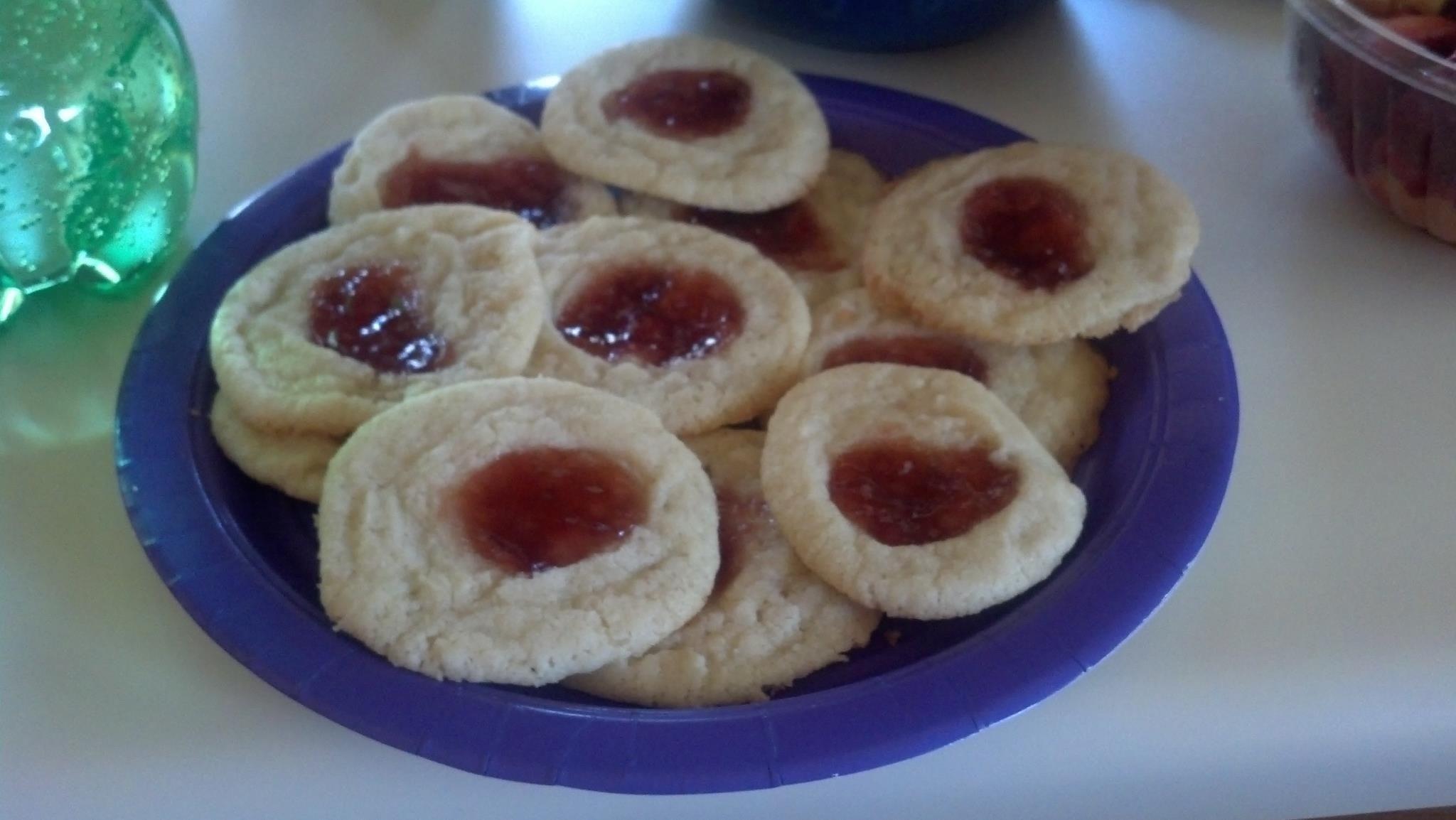 Mixed Berries Sorbet With Vanilla Shortbread Cookies ...