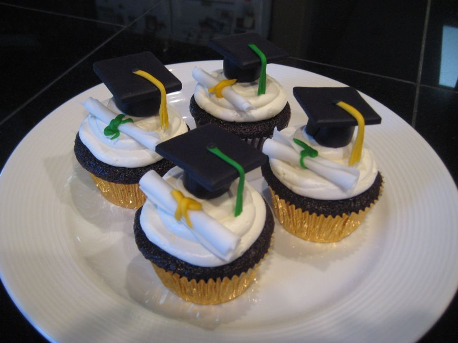 Cupcake Design For Graduation : Cap and Diploma Cupcakes 2013 Graduation Party Ideas For ...