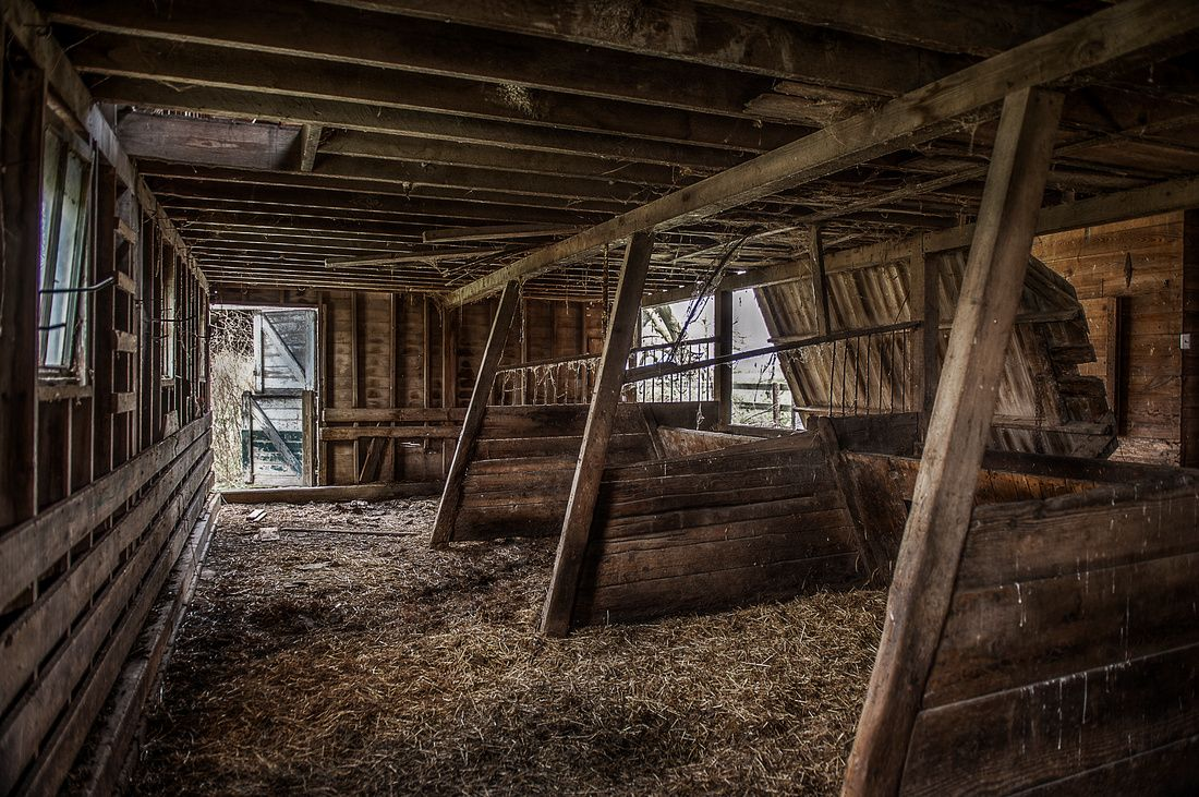 Horse Stables And Barns : Old dairy barn and stalls horse stables interiors