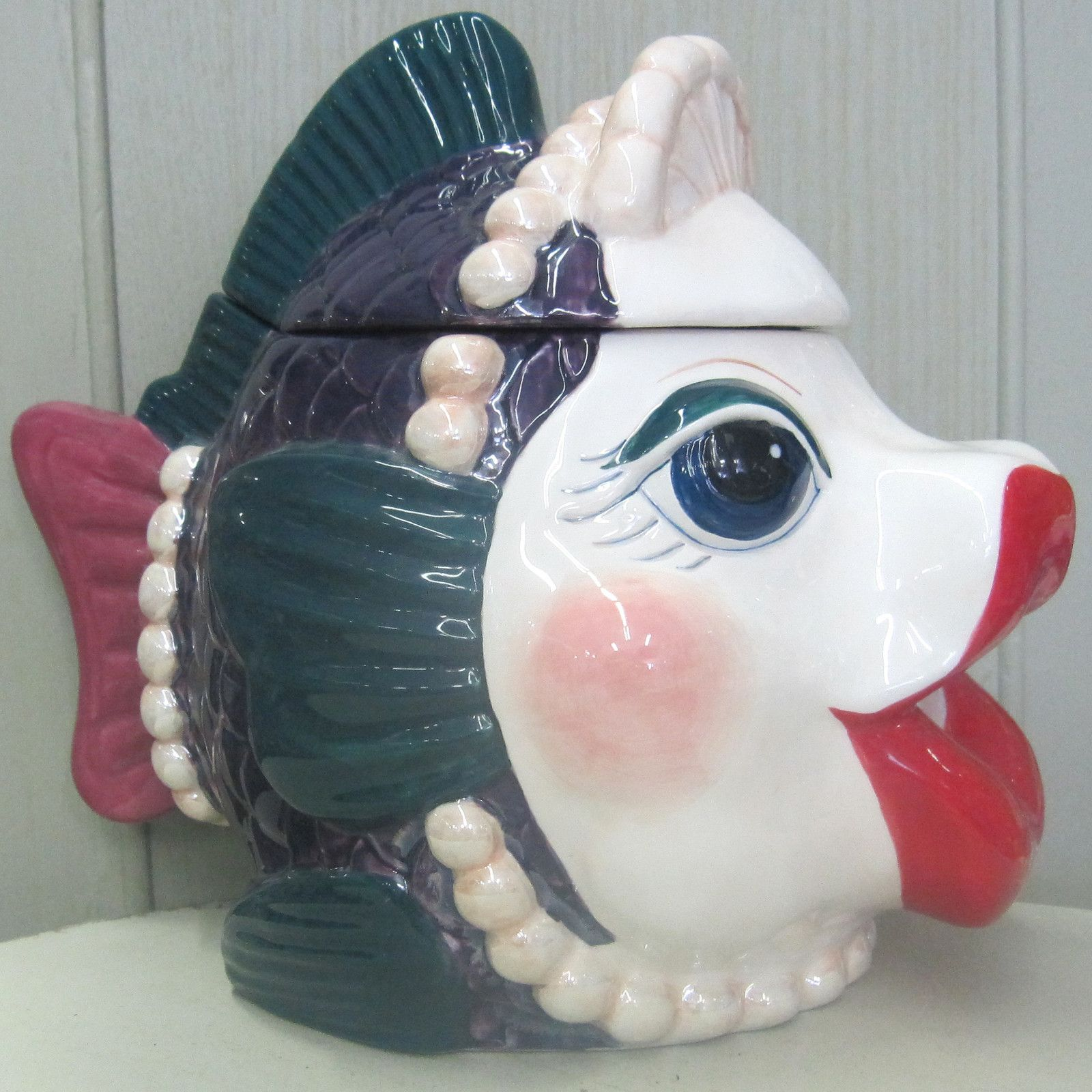 Kissing fish cookie jar tea and cookies pinterest for Fish in a jar