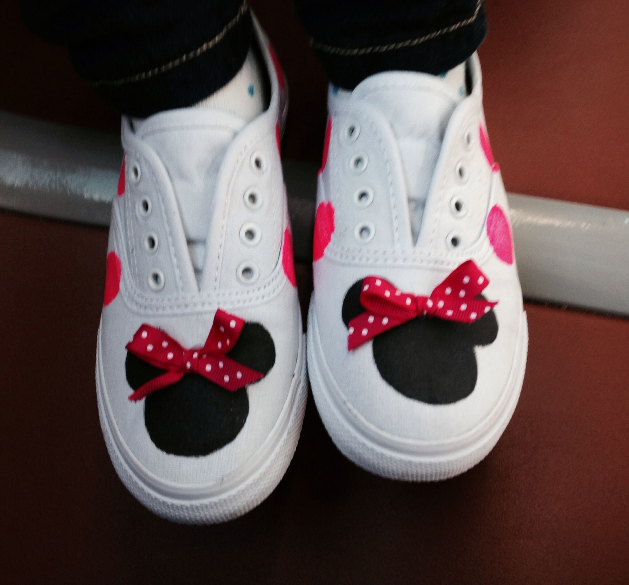 minnie mouse shoes all these crafts