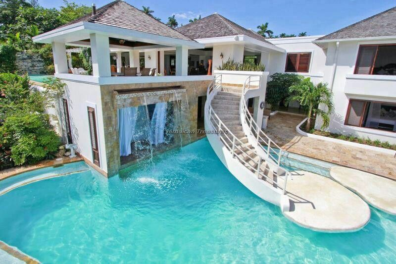 House pool dream house pinterest for Houses that have pools