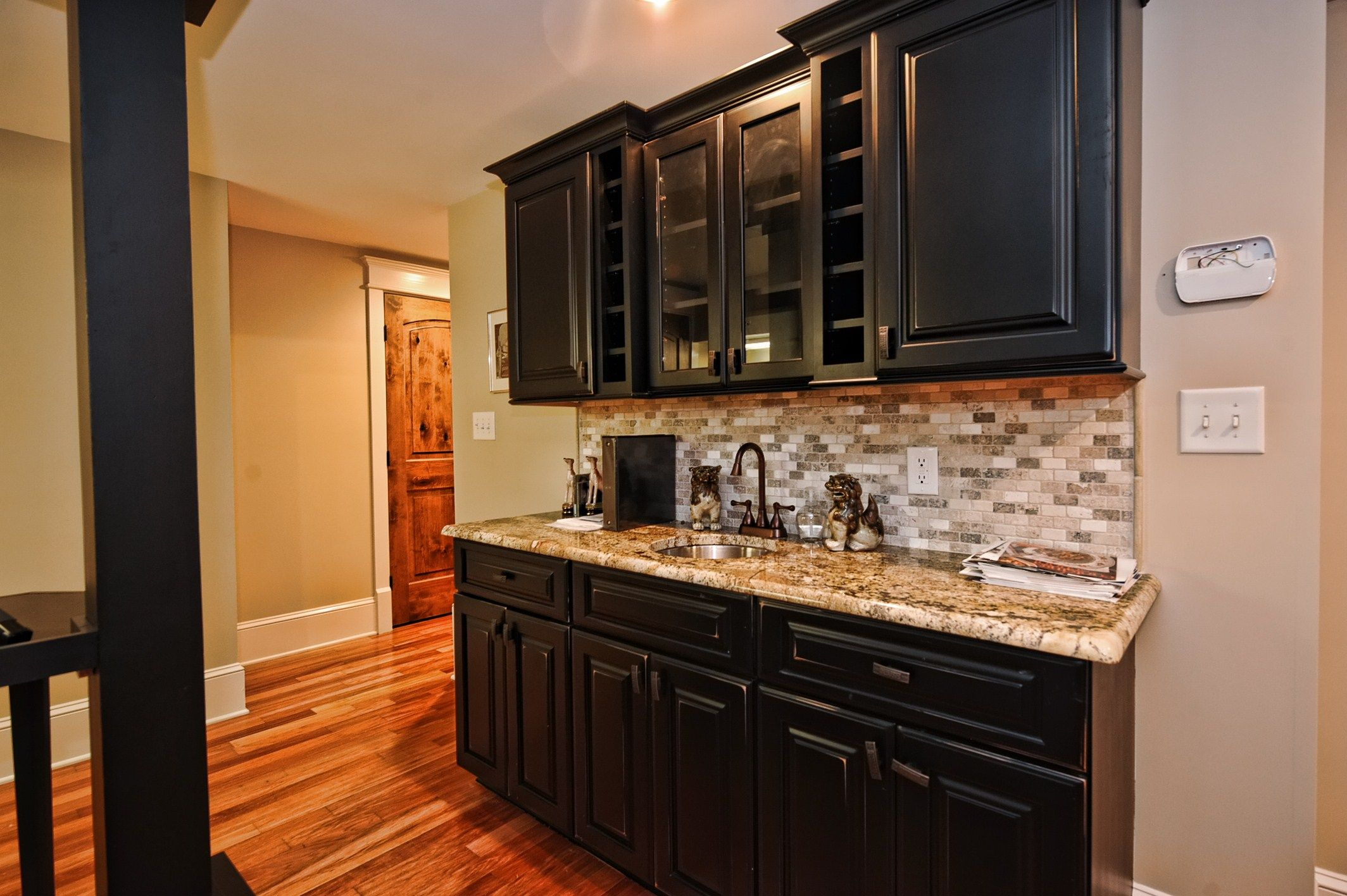 10 9 listingoftheweek basement wet bar for the home for Basement wet bar plans