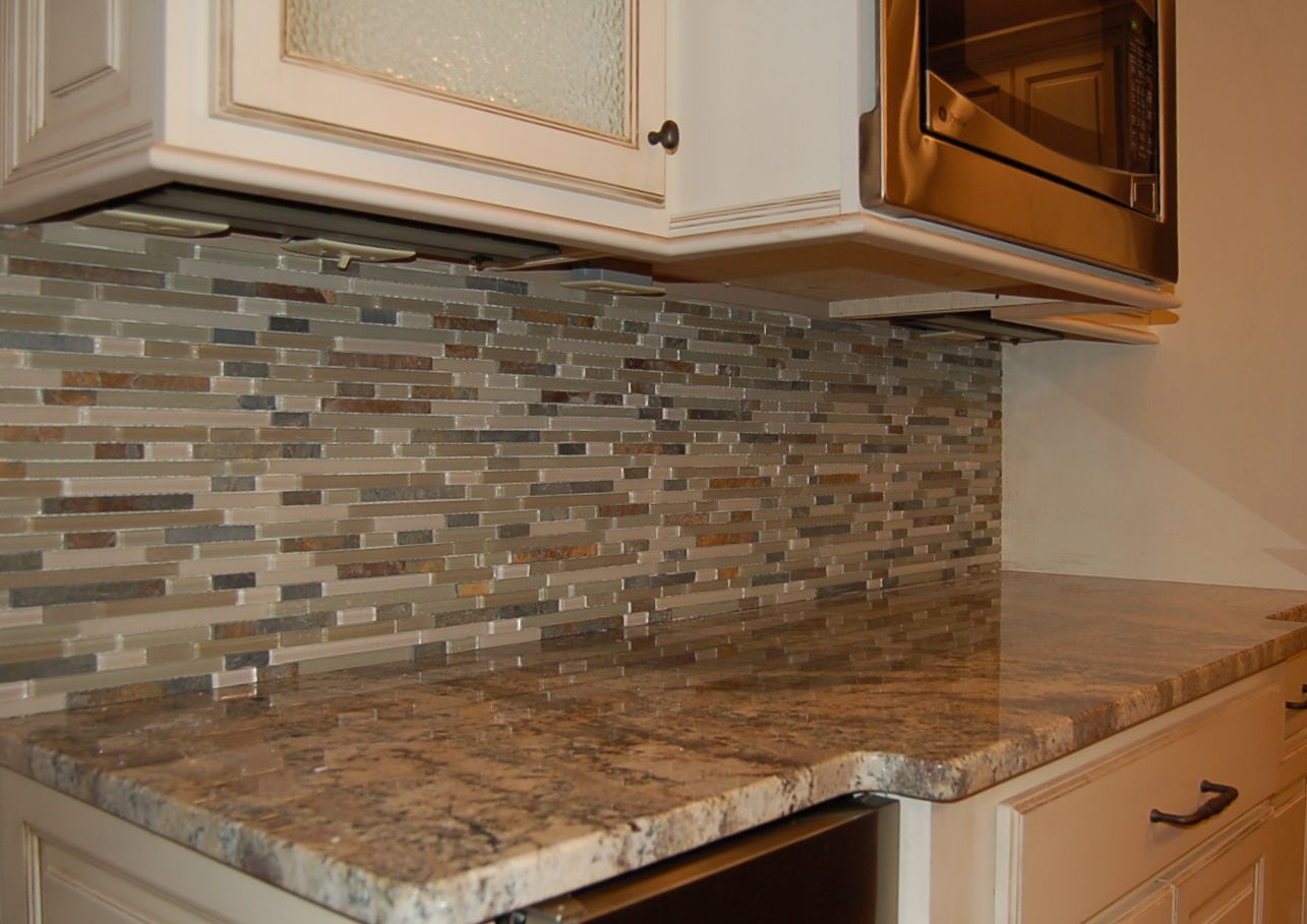 Beautiful backsplash kitchens pinterest for Backsplash ideas for kitchen pinterest