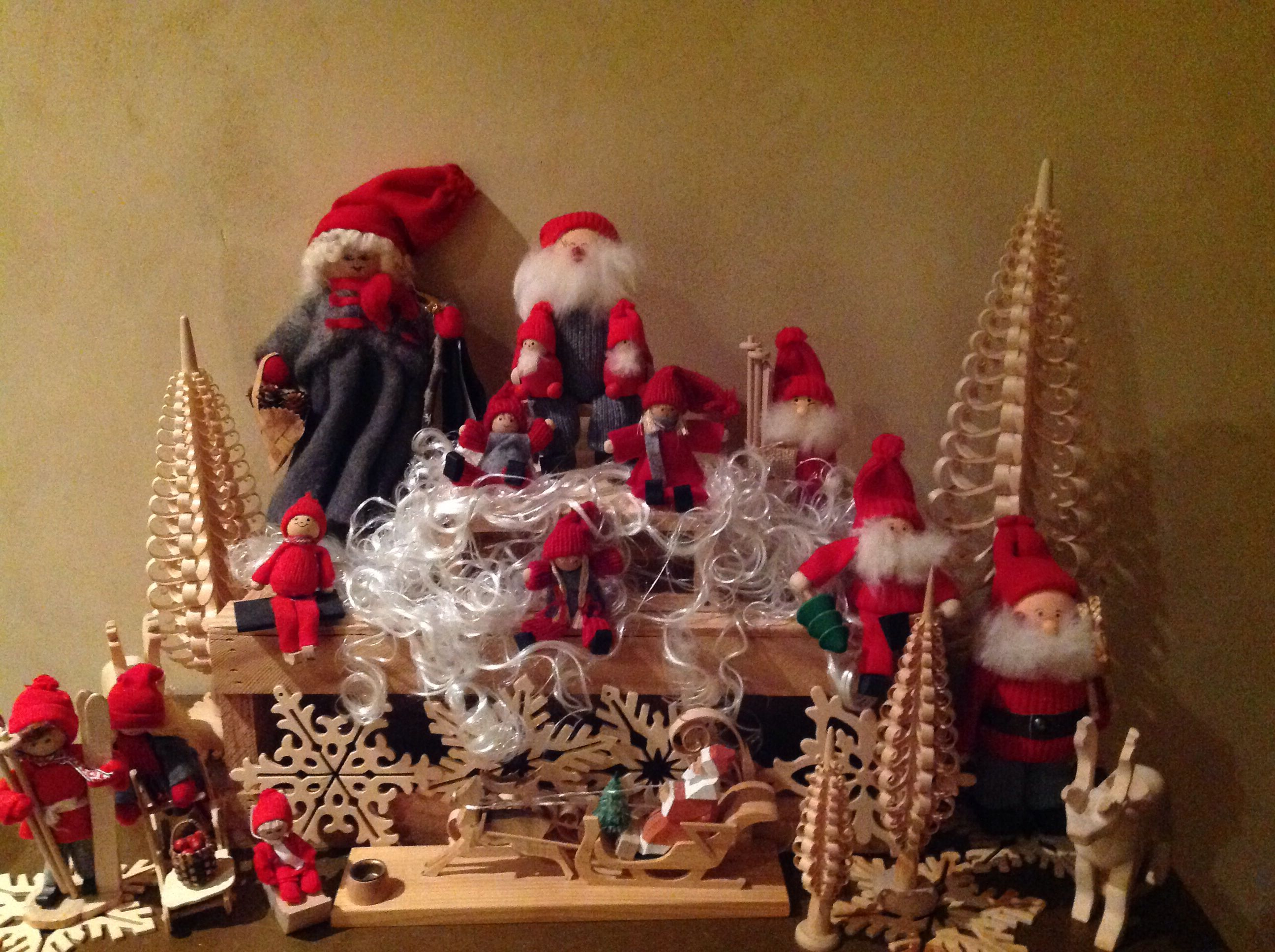 28 Best Swedish Christmas Decorations To Make Just