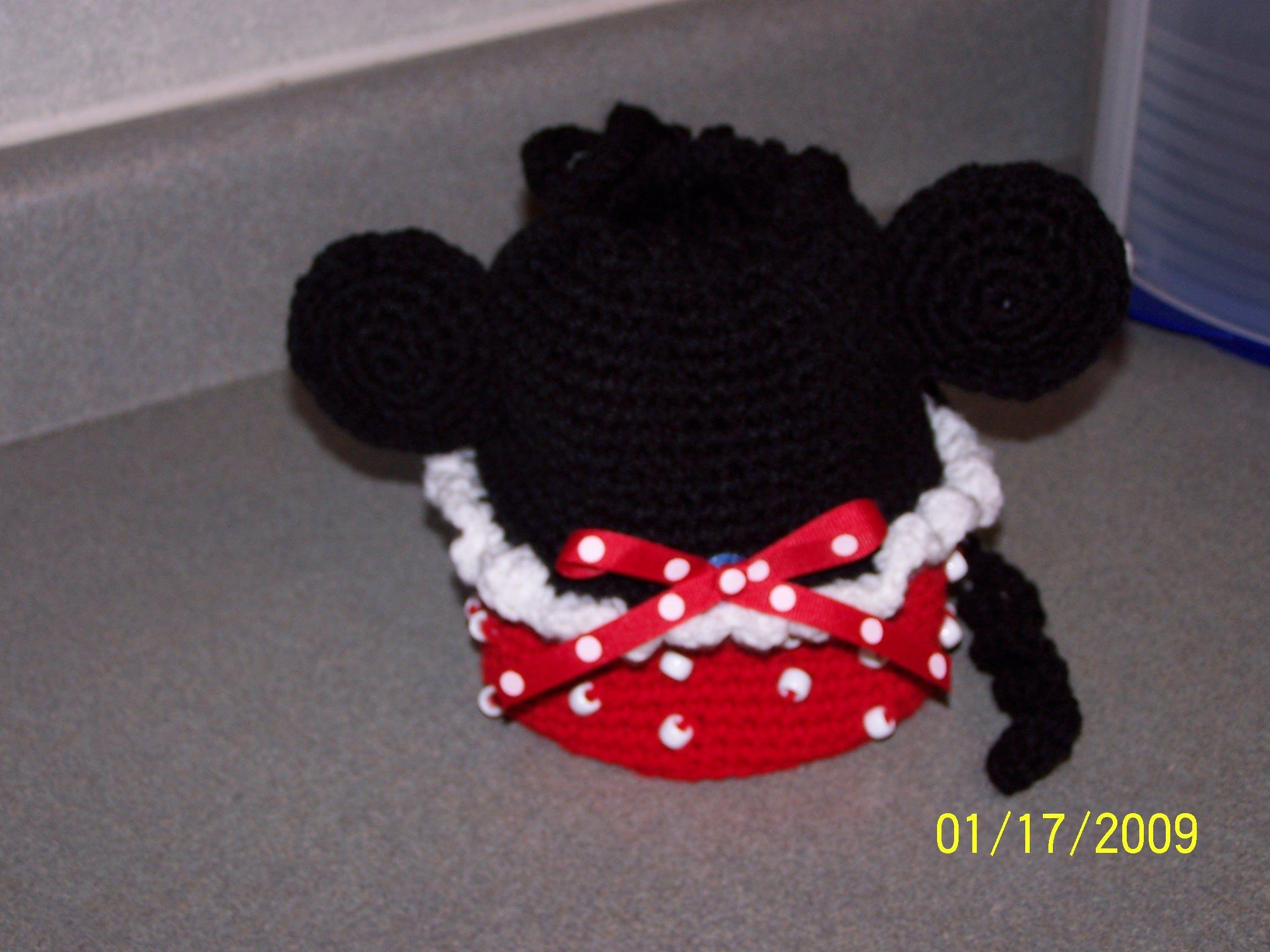 Free Crochet Mickey Mouse Purse Pattern : Minnie Mouse Wristlet Purse. crochet ideas and Patterns ...