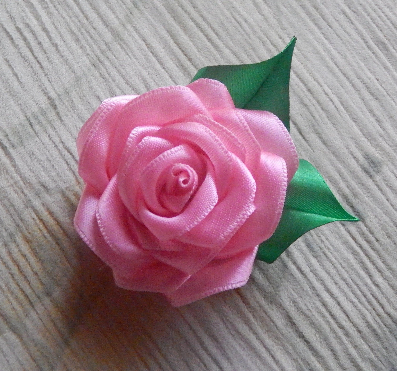 Как сделать розу из ленты своими руками пошагово