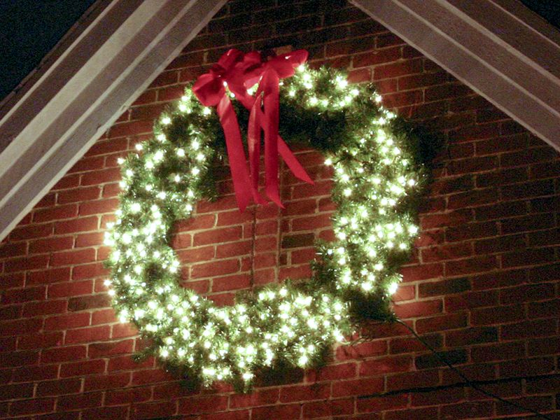 lighted outdoor wreath home wreaths galore pinterest. Black Bedroom Furniture Sets. Home Design Ideas