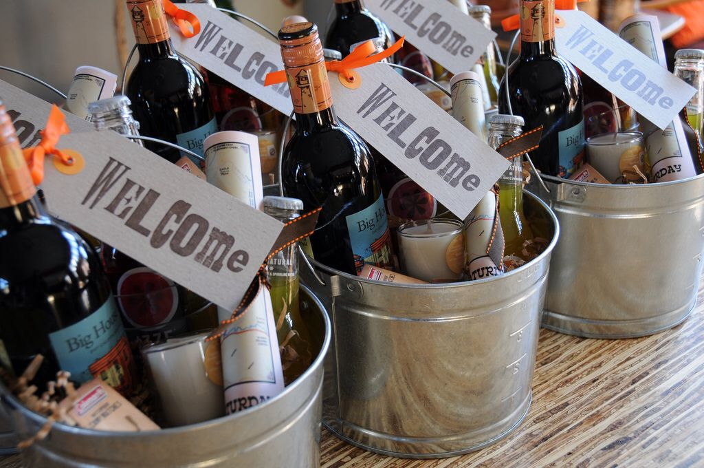Wedding Gift Basket Ideas For Guests : ... buckets. Out of town guests Krittens wedding ideas Pinte