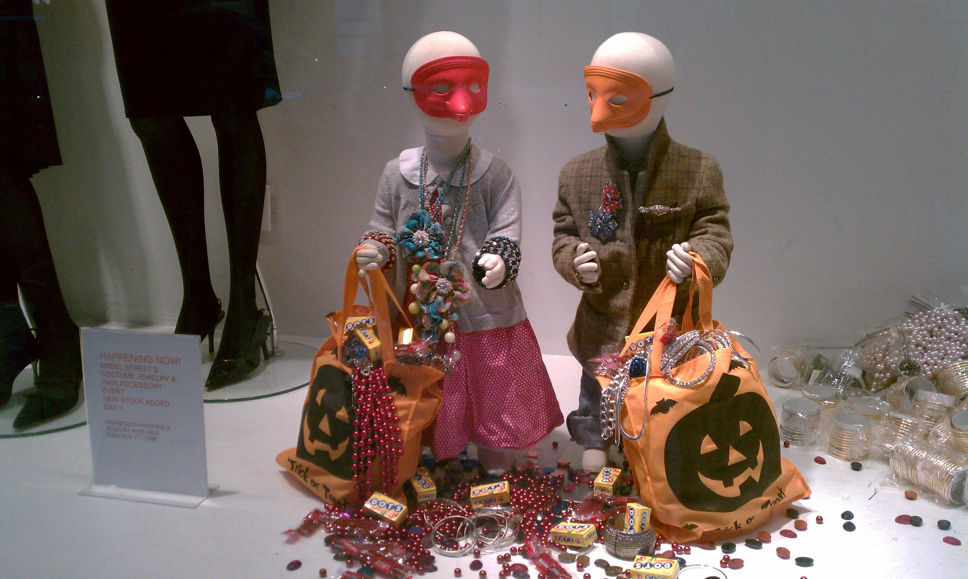 mannequinmadnes halloween displays mannequins