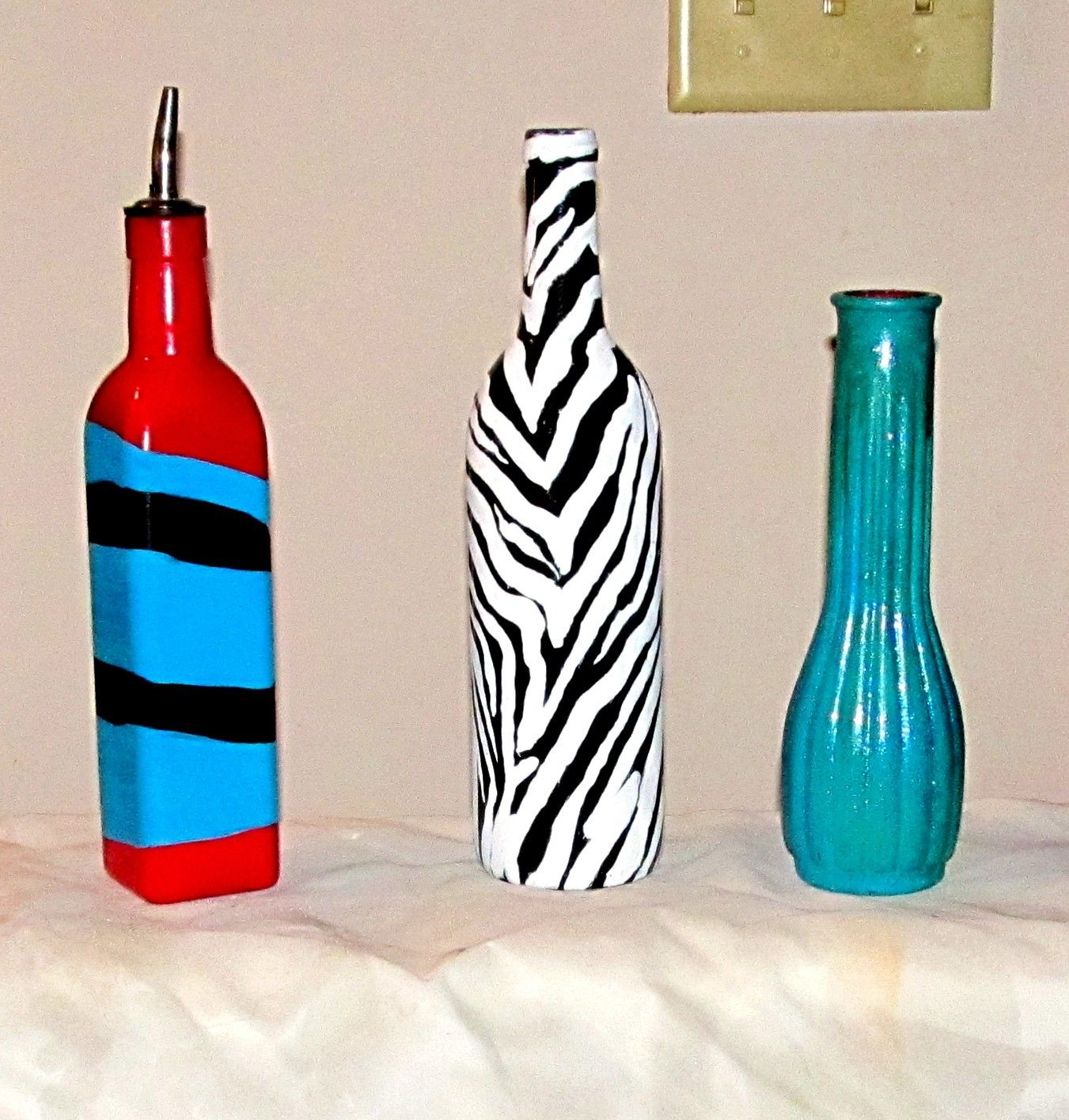 Hand painted bottles crafts bottles wine liquor for Hand painted bottles