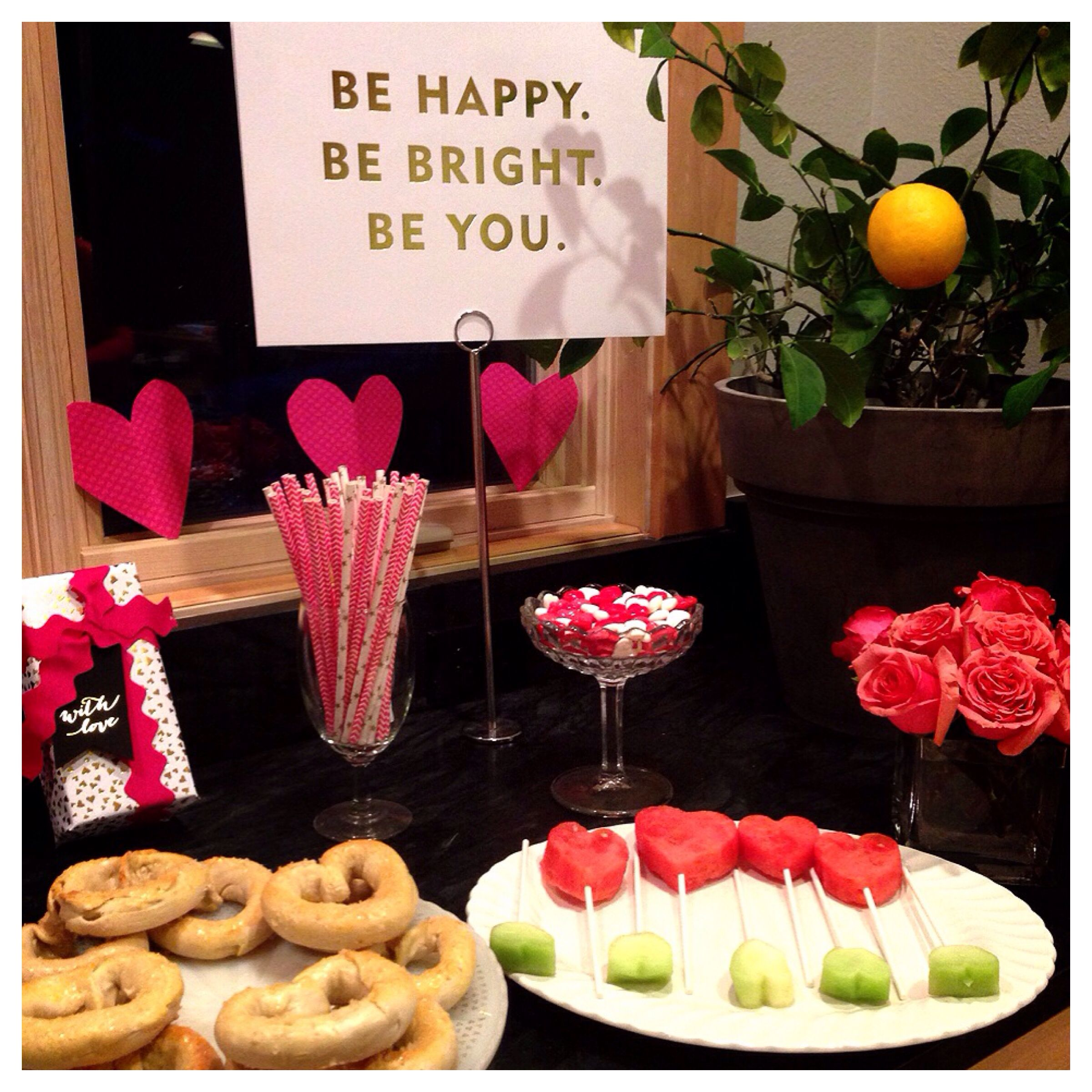 Teen valentine 39 s day party ideas food and entertaining for Valentines day party foods