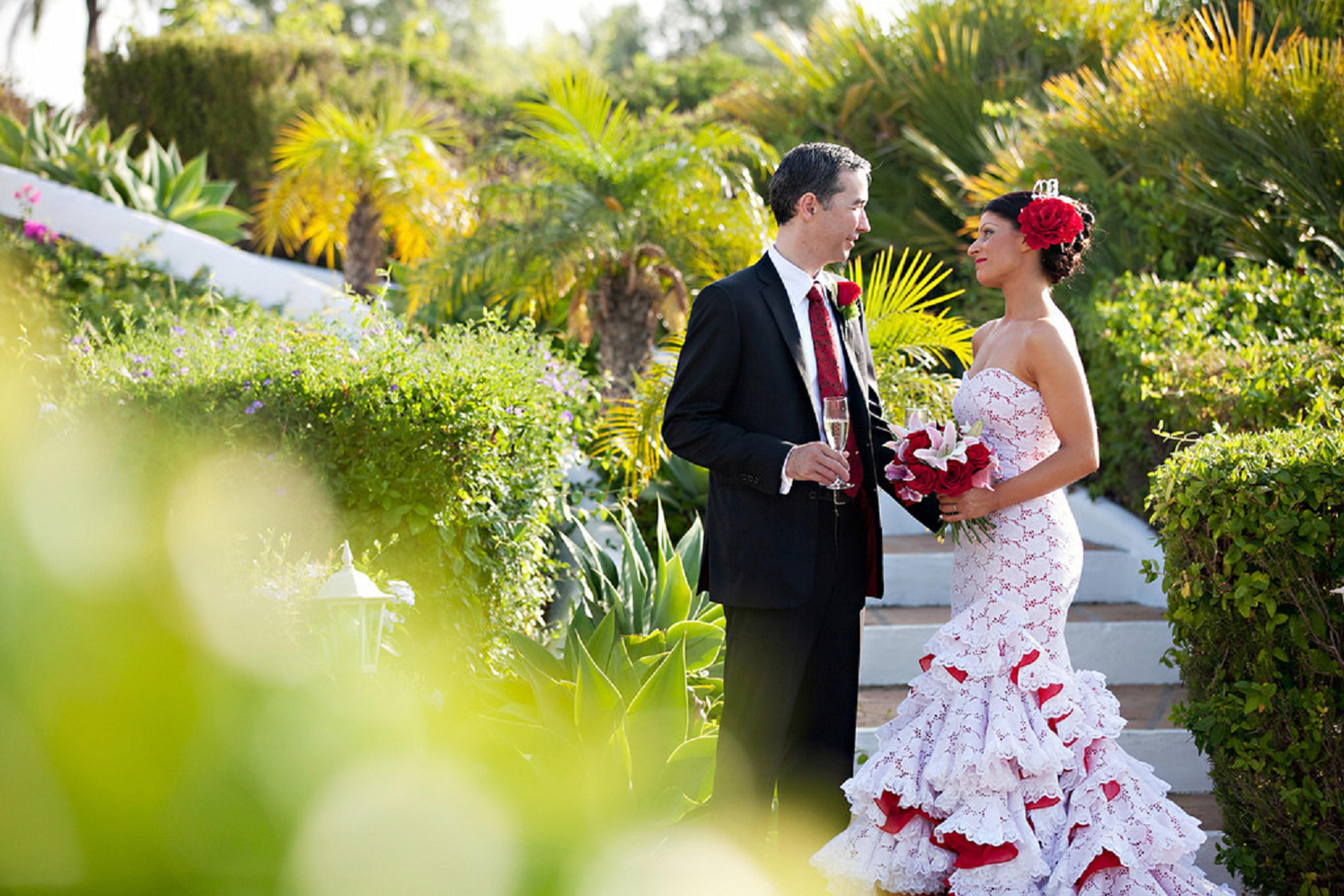 Bride flamenco wedding pinterest for Flamenco style wedding dress