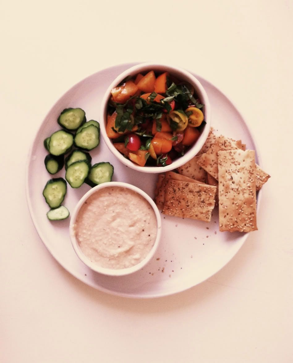 Read up on the latest healthy food finds and diet news. Hungry Girl has all the need-to-know info from the world of guilt-free eating. sexy girl