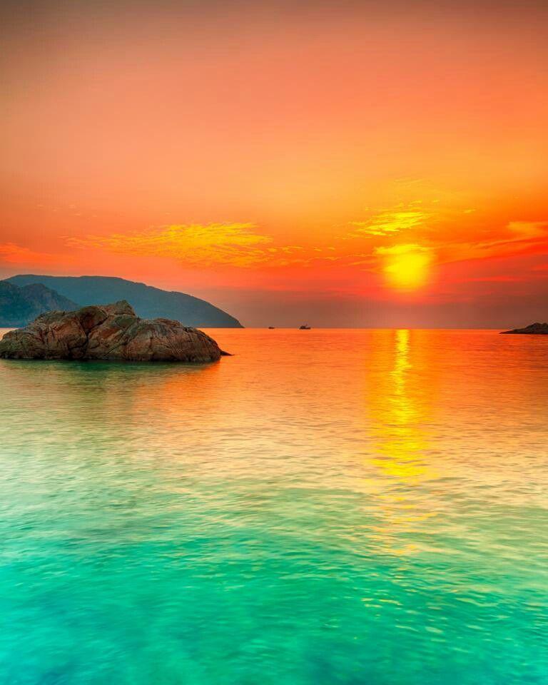 Beautiful beach sunset a beautiful beautiful world for Beautiful beaches in la