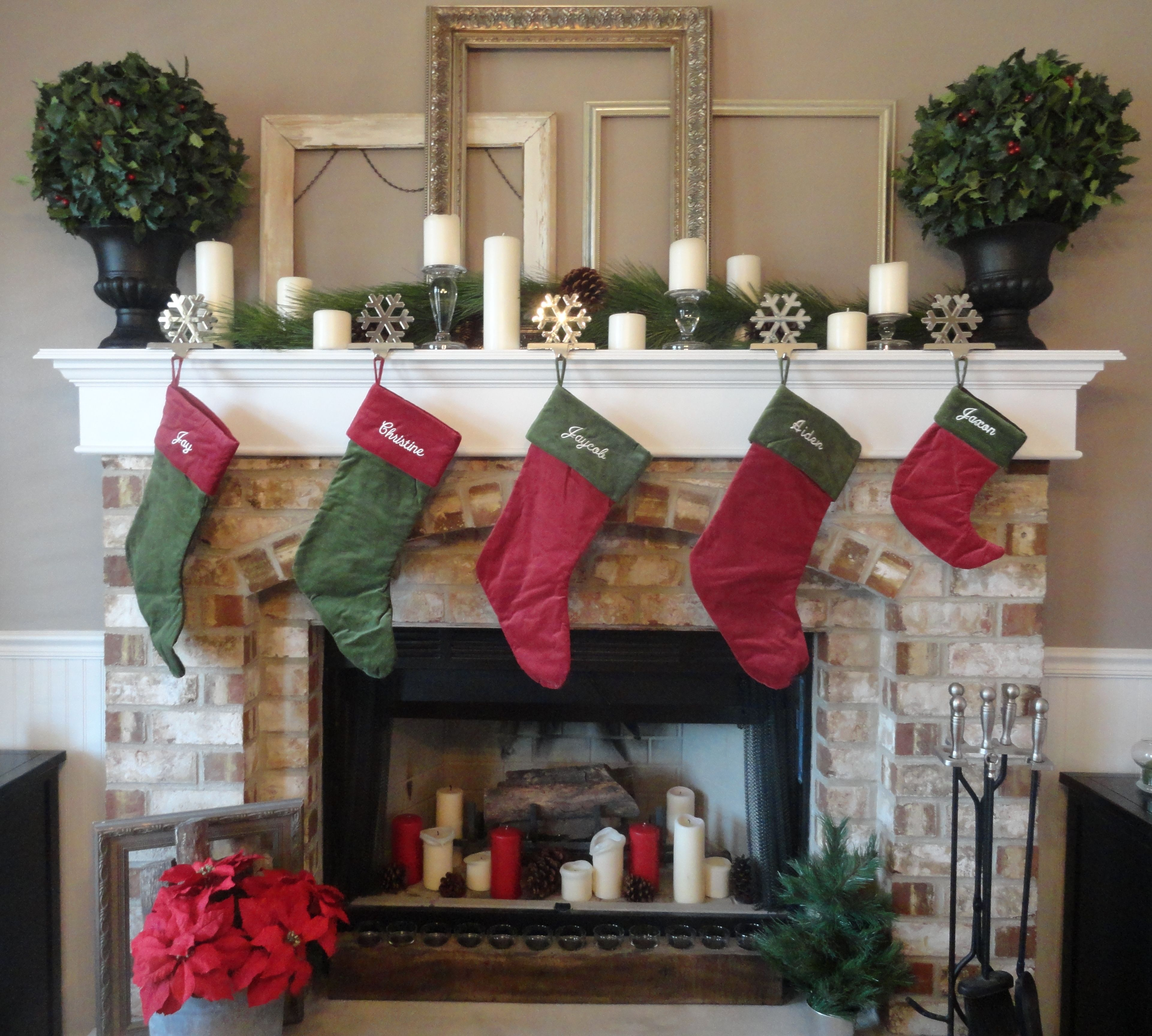 Christmas mantel decor pinterest for Pictures of mantels decorated for christmas