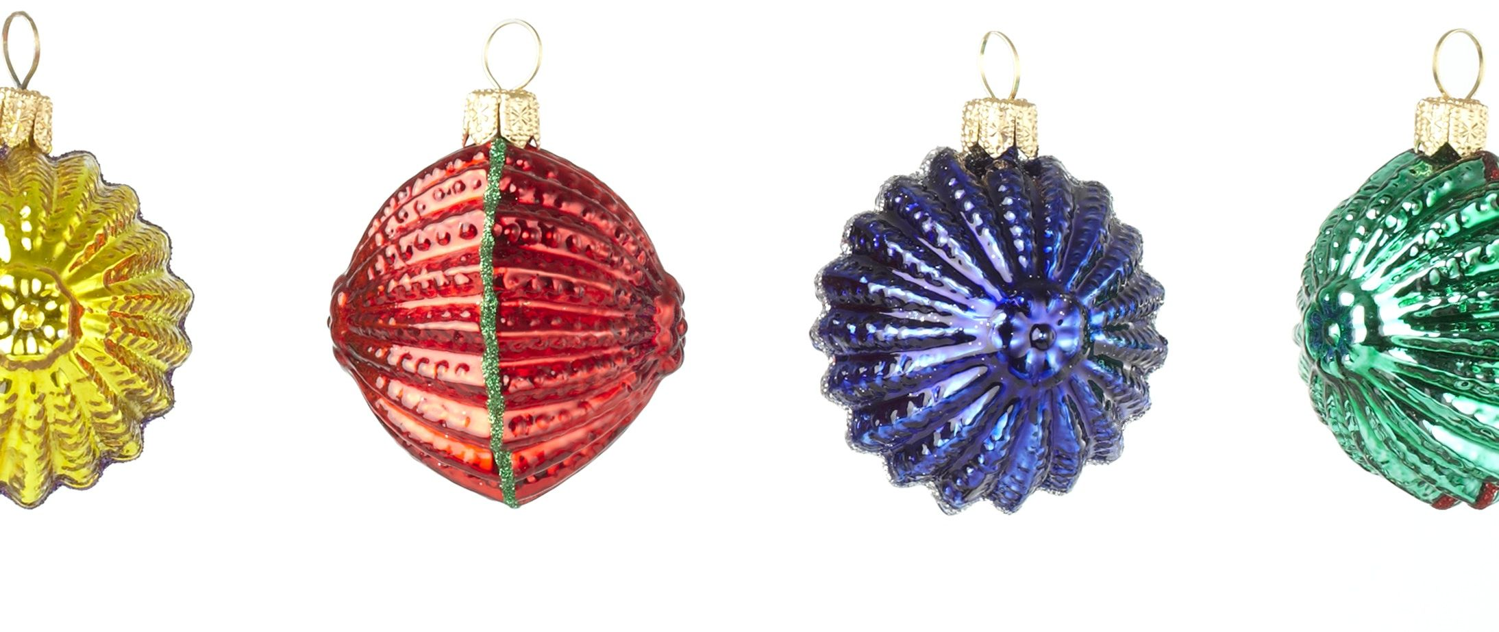 Glass christmas ornaments christmas ornaments pinterest for Glass christmas decorations