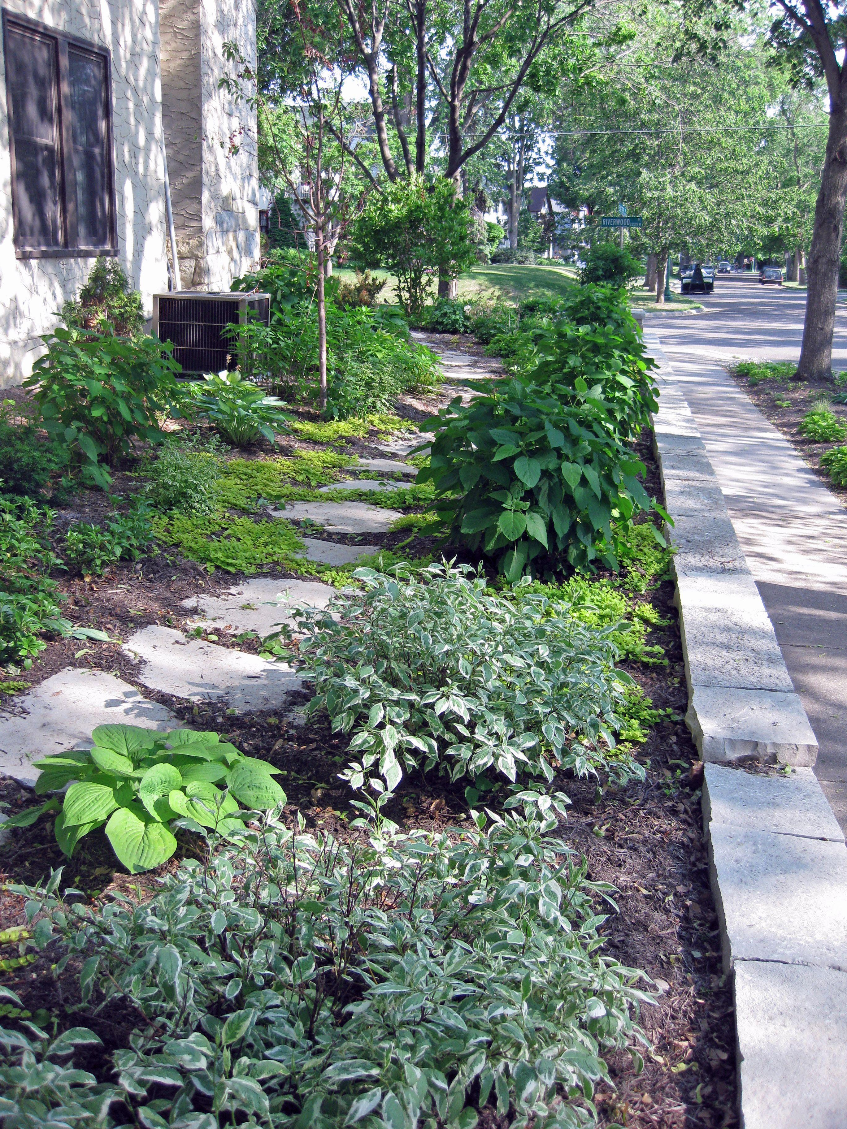 Side Yard Path And Wall Lori Mccabe Landscape Designs