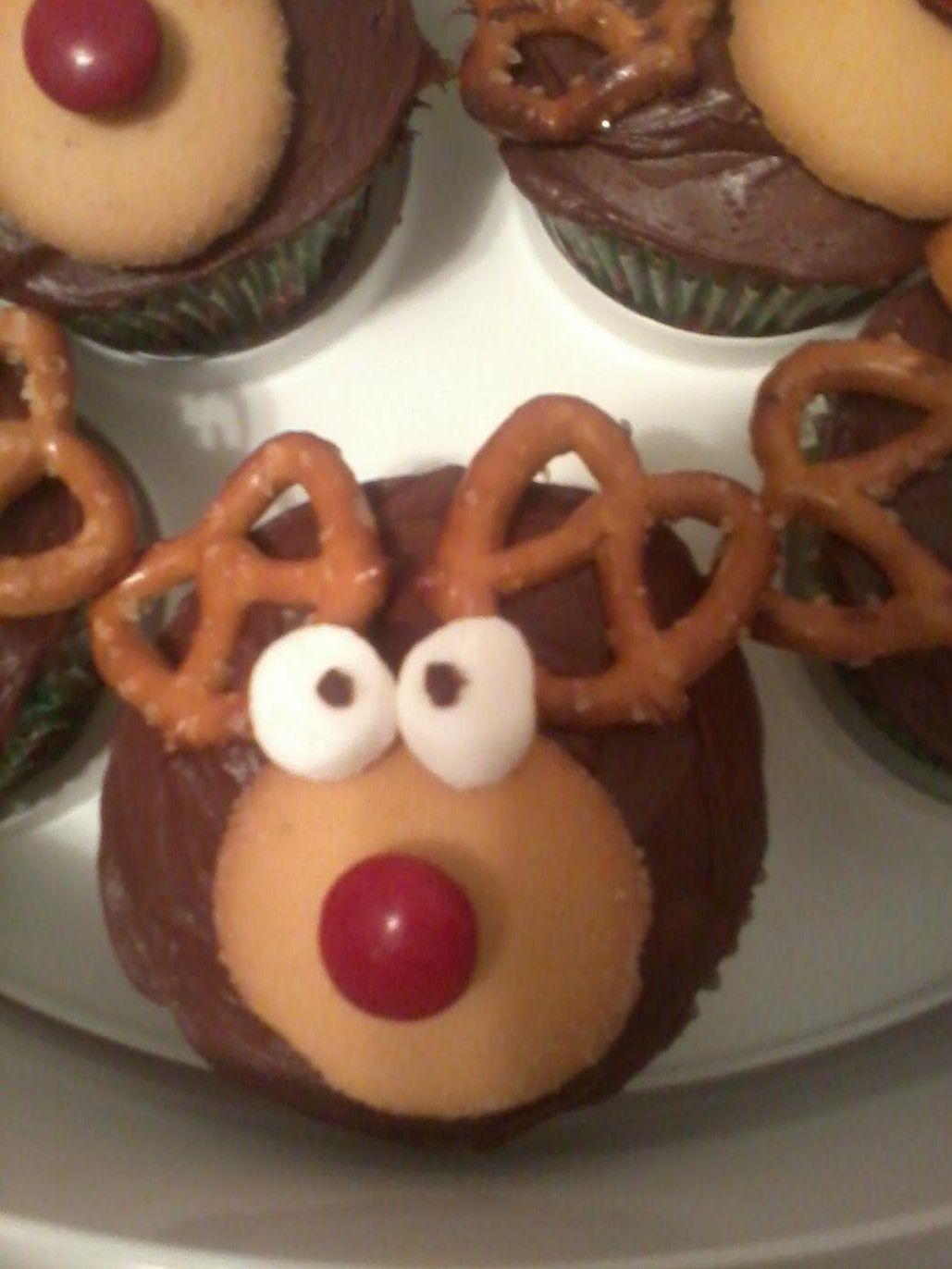 Rudolph cupcakes | Holiday Workshop Ideas | Pinterest