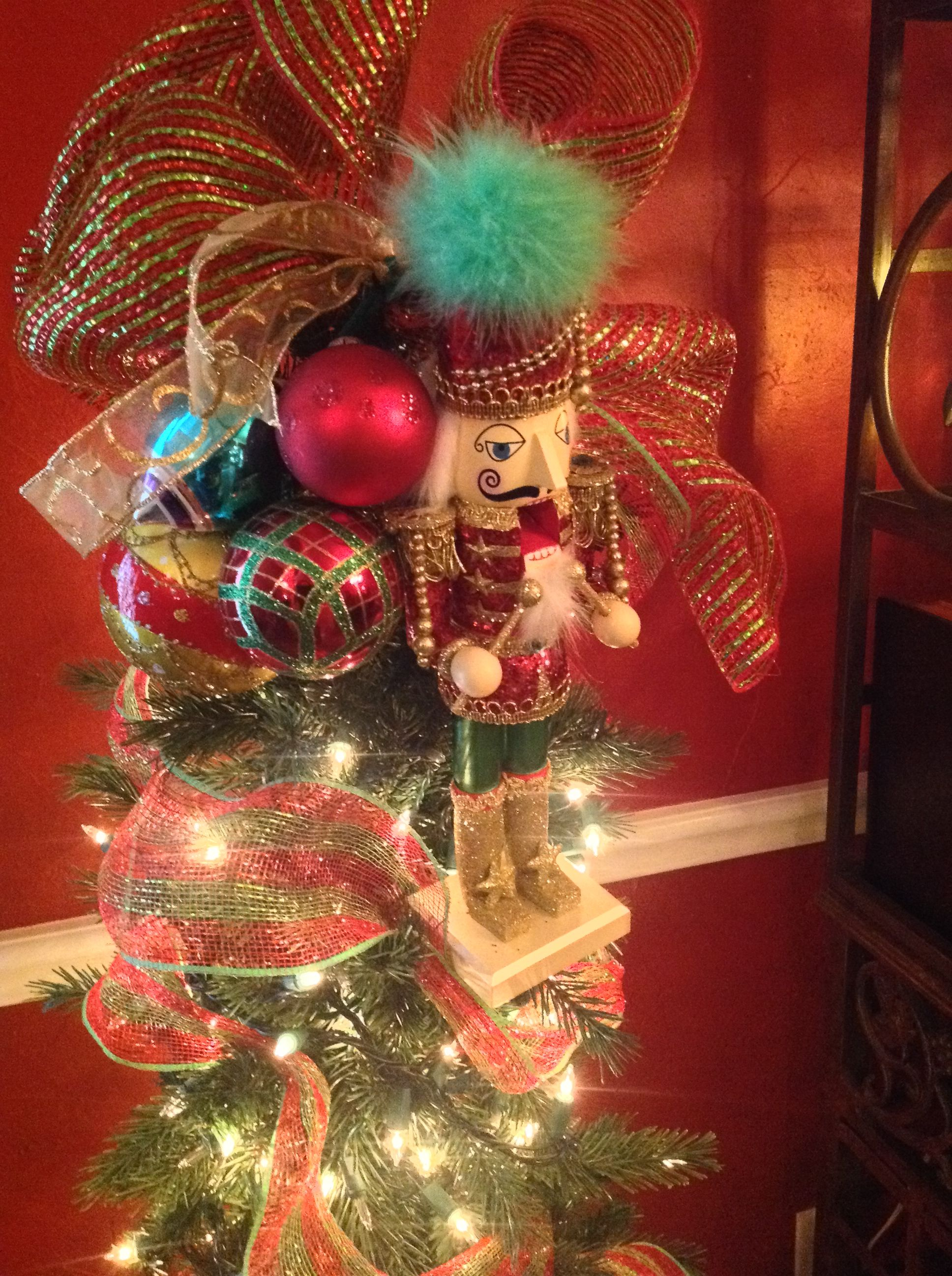 What A Unique Christmas Tree Topper Christmas Pinterest