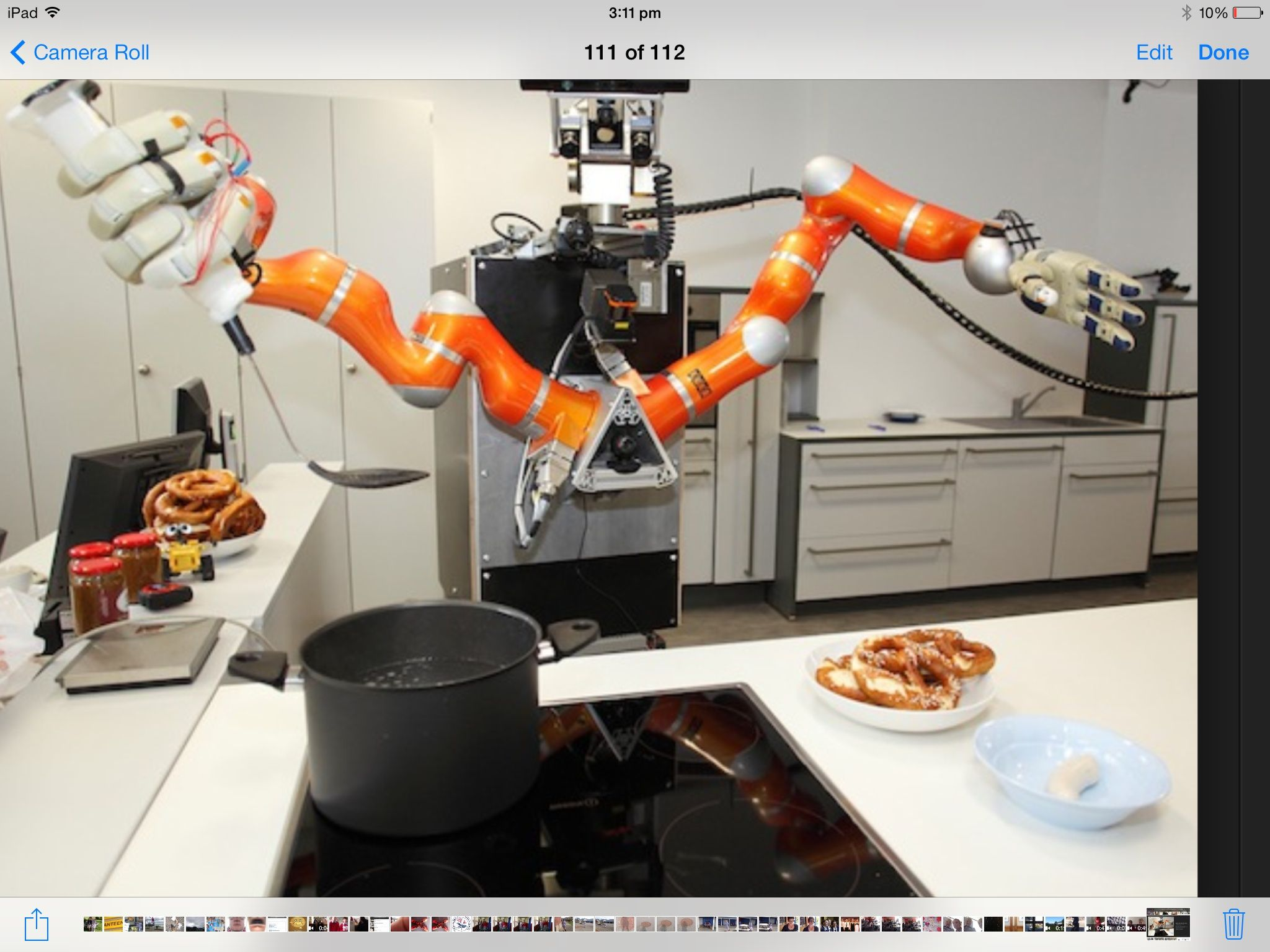 You can have a cooking robot helpful robots pinterest for Robot cuisine chef