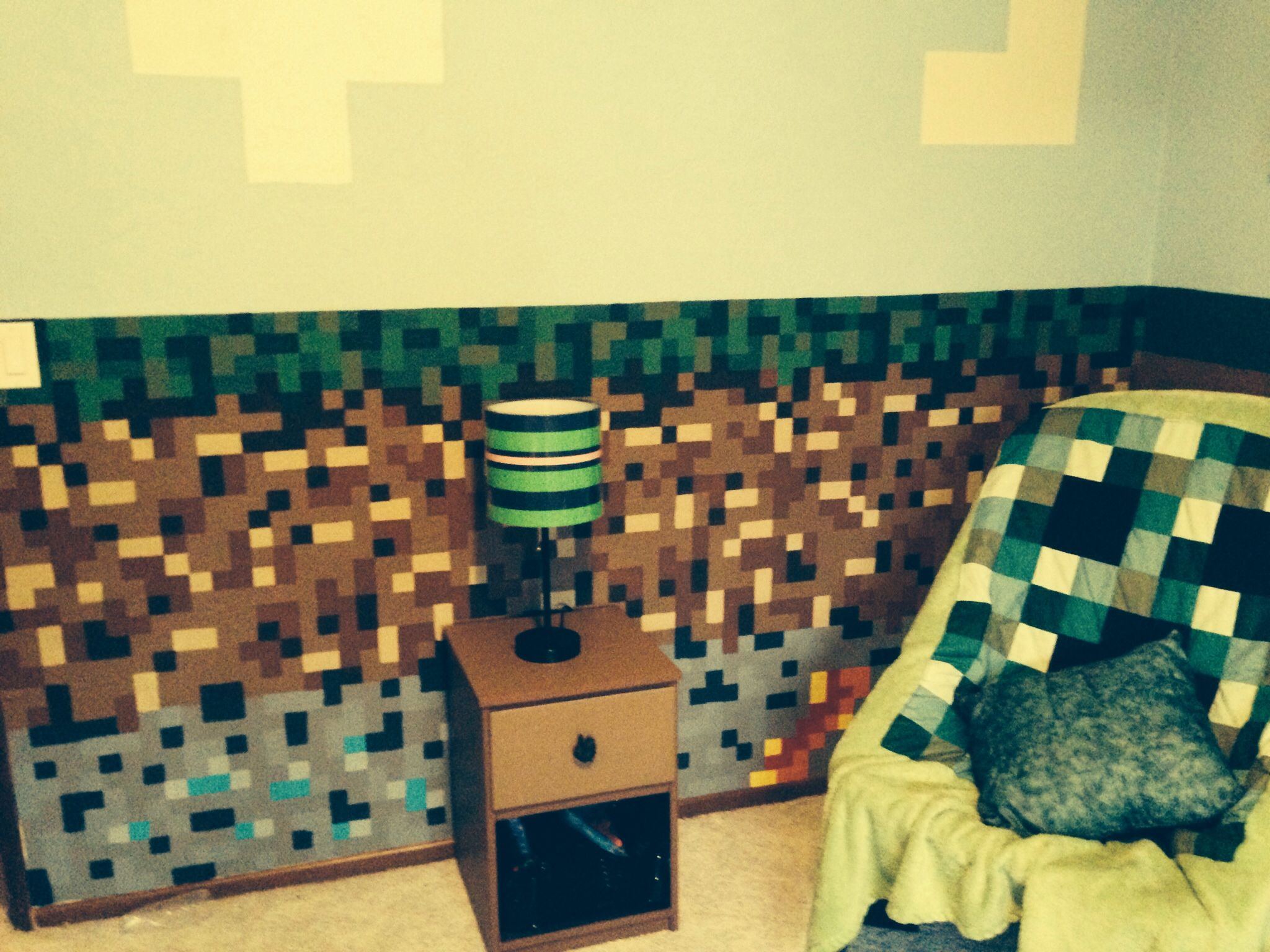 Minecraft bedroom for my 9 year old son minecraft for Minecraft lounge ideas