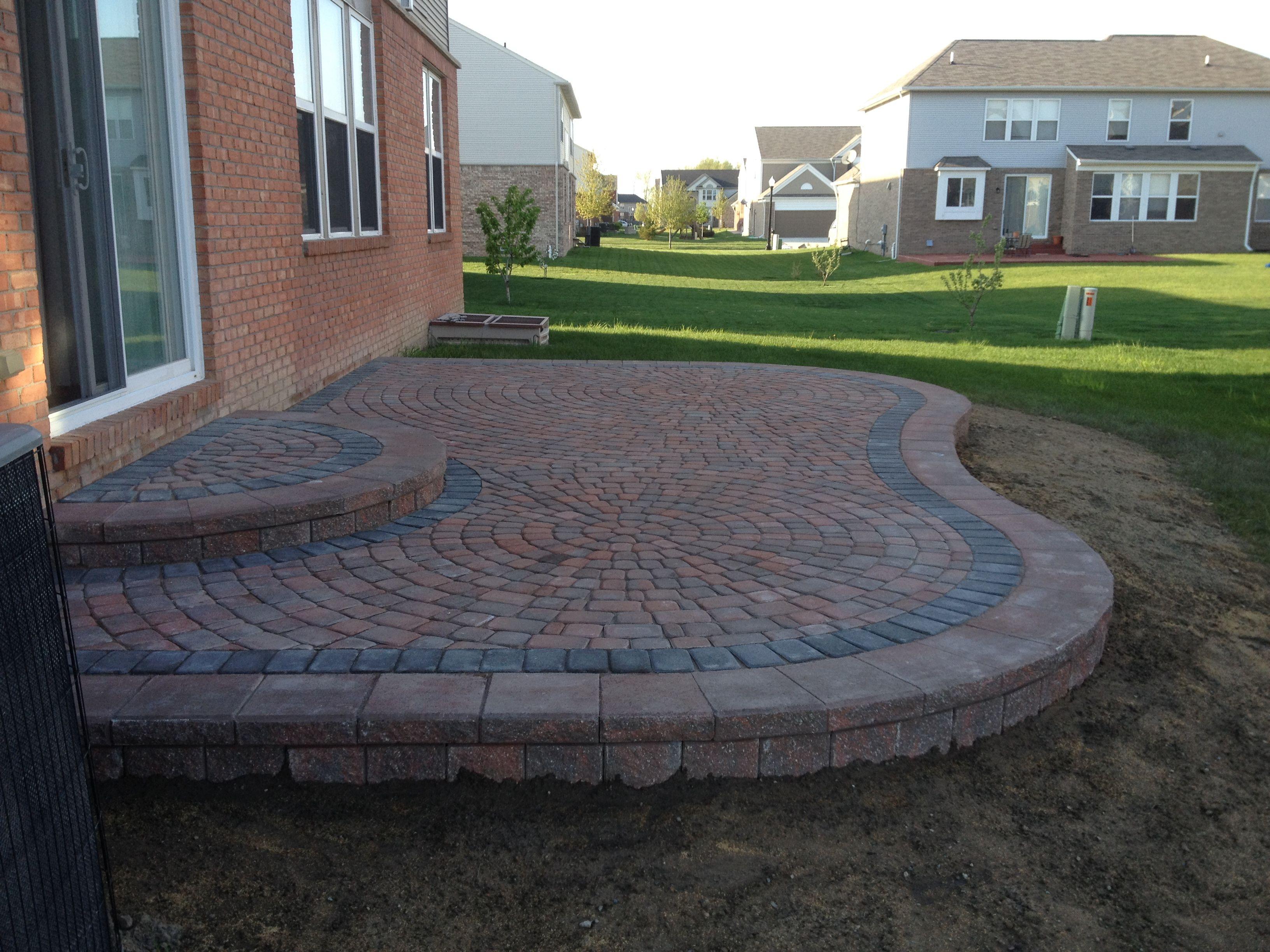 Brick paver patio garden pinterest for Pinterest patio pavers
