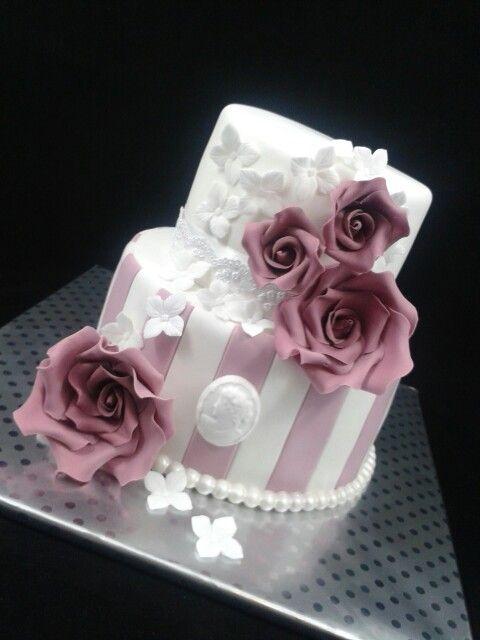 Birthday Cake Pictures Romantic : Romantic birthday cake Partybaking.nl Pinterest