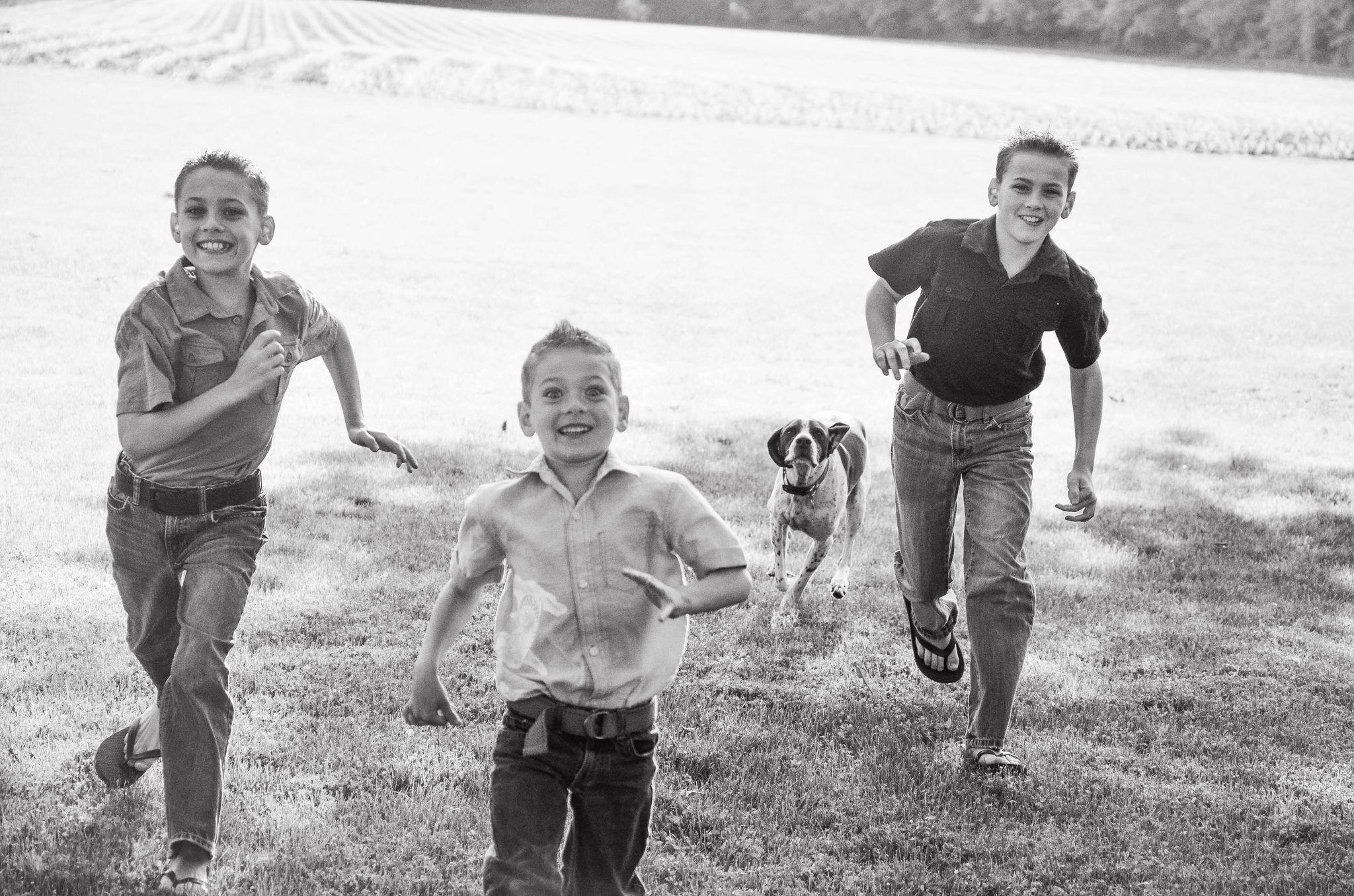 Backyard Family Portrait Ideas : Outdoor family portrait ideas  Inspiration for pictures  Pinterest