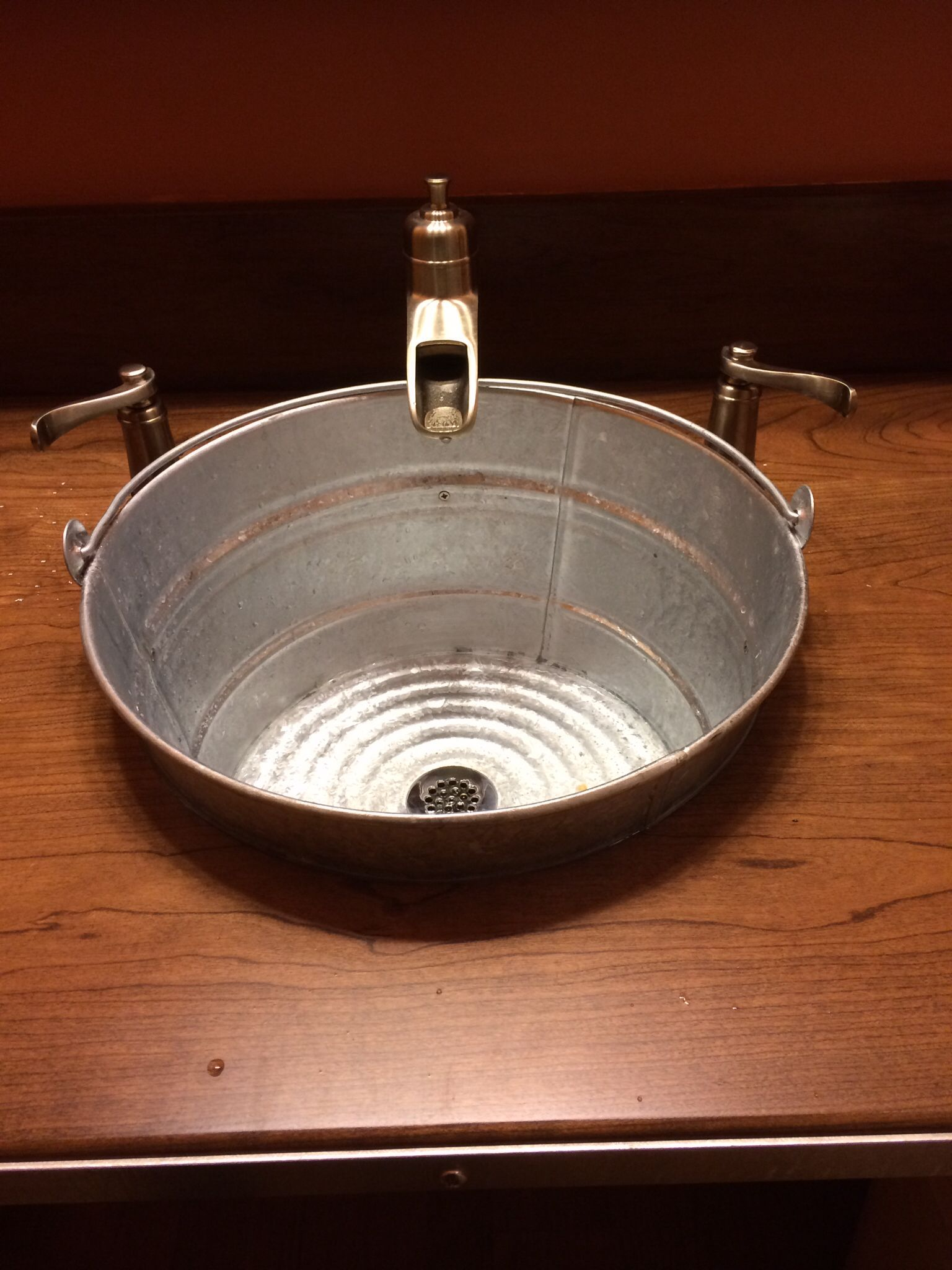 rustic sink made from galvanized bucket recycle and