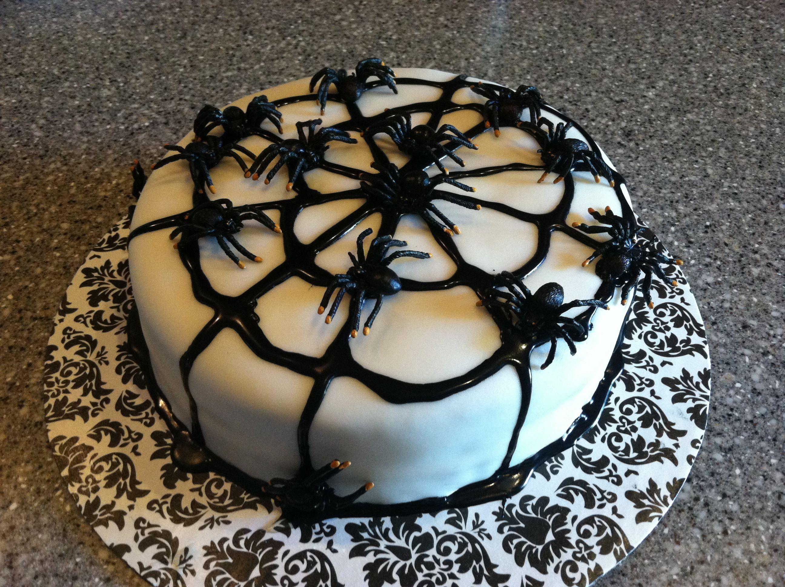 Halloween Spider Cake Decoration : Spider Halloween cake Cakes Pinterest