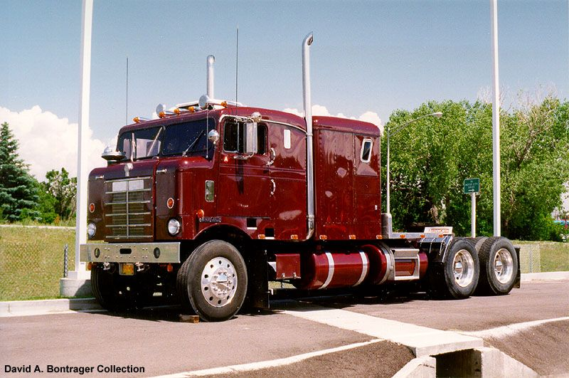 Old kenworth bullnose i hate truckers but i love a big shinny tractor things my wife should