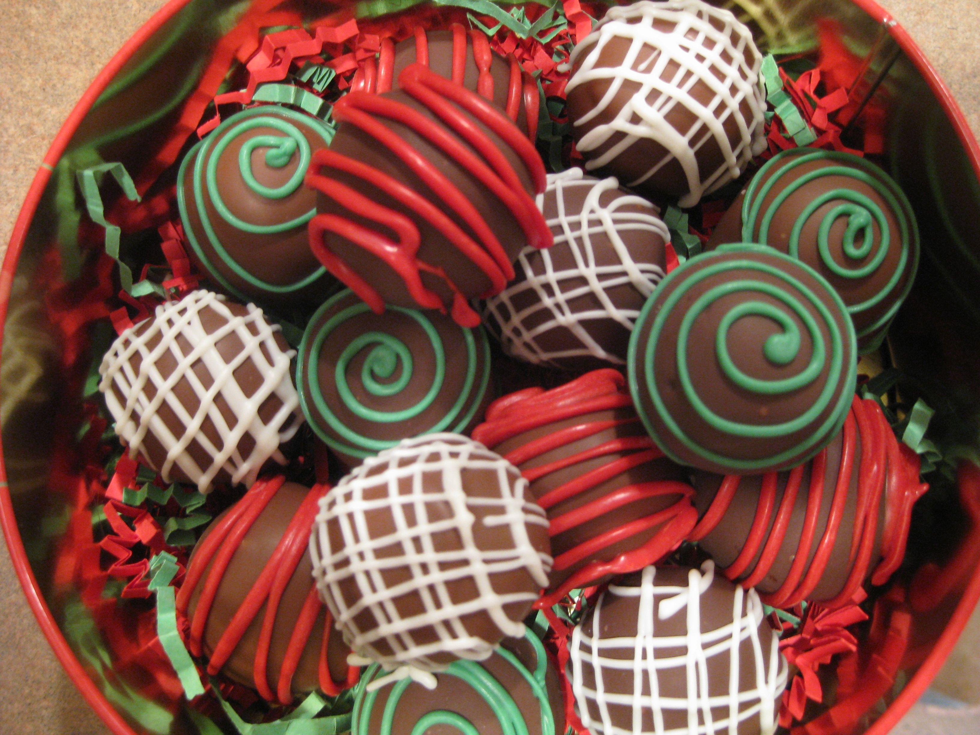 Christmas cake balls christmas Pinterest