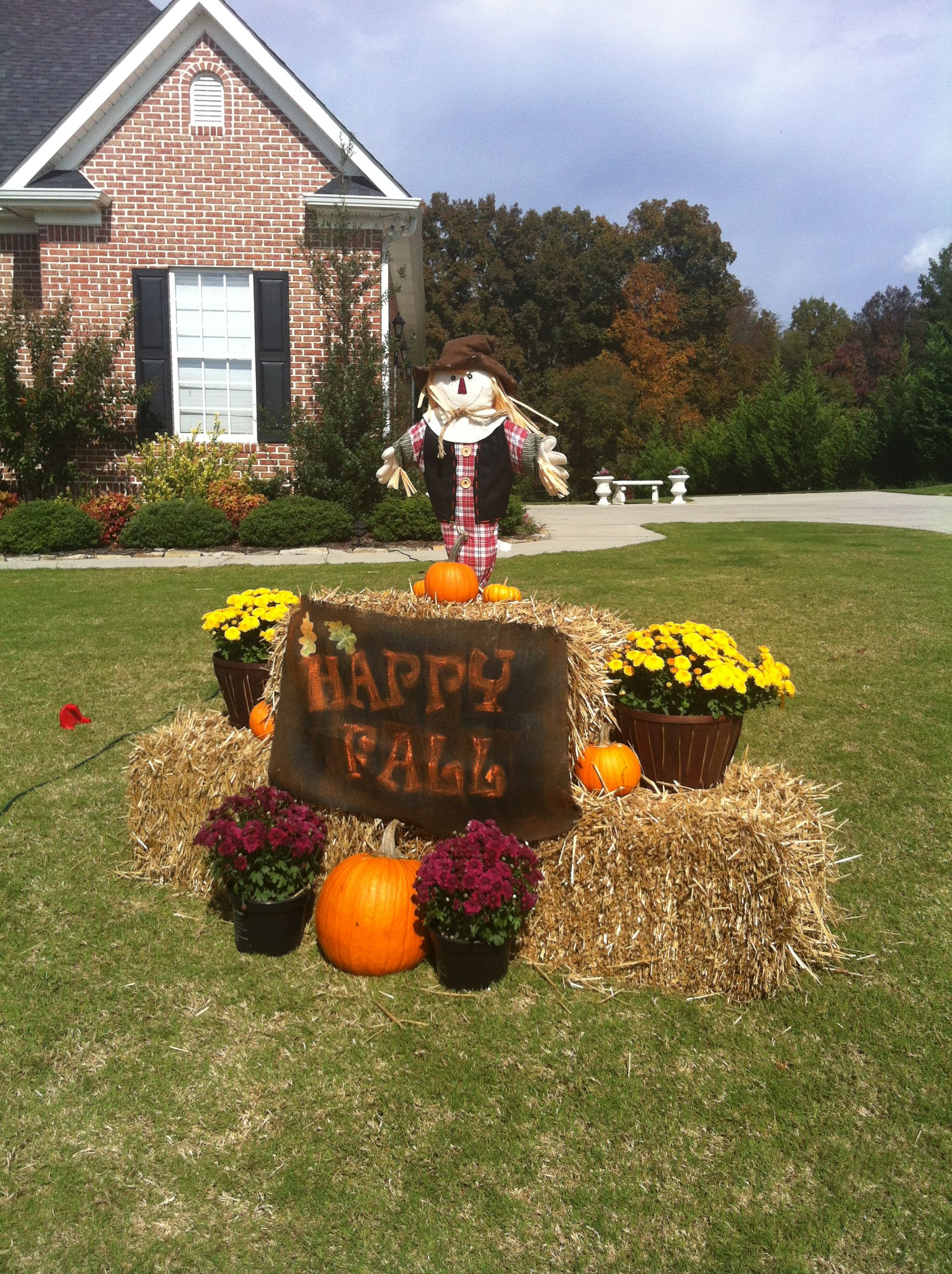 Fall front yard fall decor 2013 pinterest for Front yard decor
