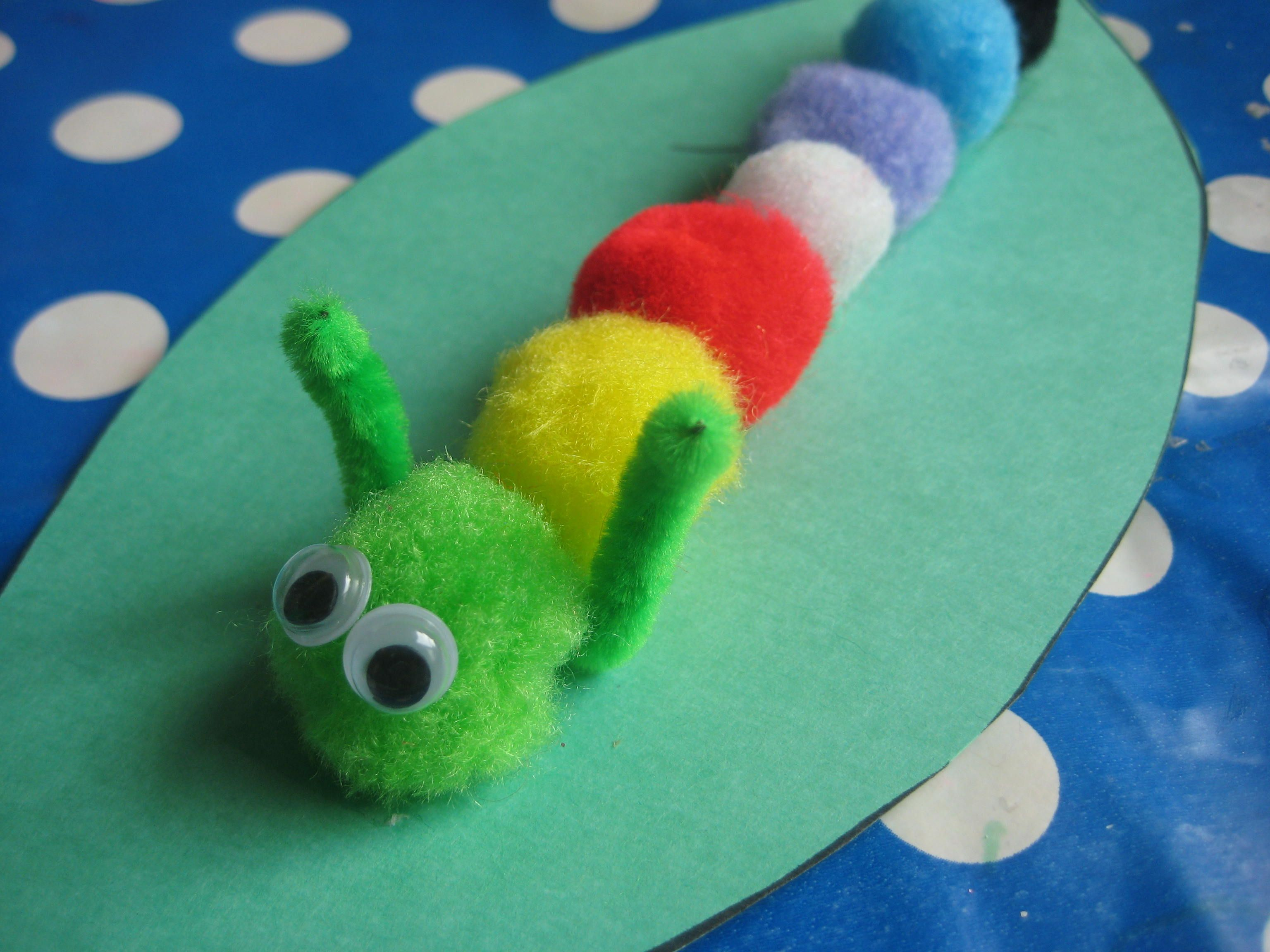 Simple pom pom caterpillar craft learning pinterest for Pom pom craft patterns