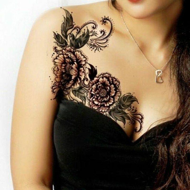 Tattoos bei frauen brust Das bedeuten