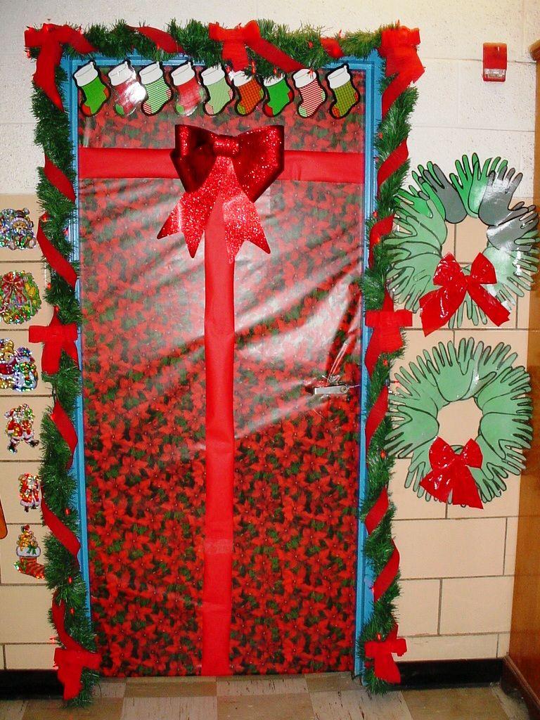 Christmas door door ideas pinterest for Door idea pinterest