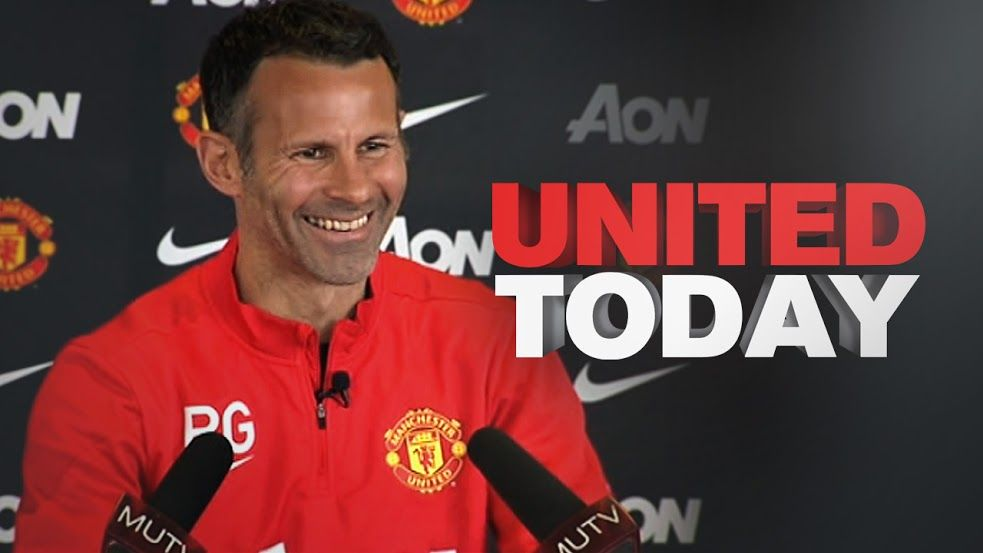 manchester united coach leaves