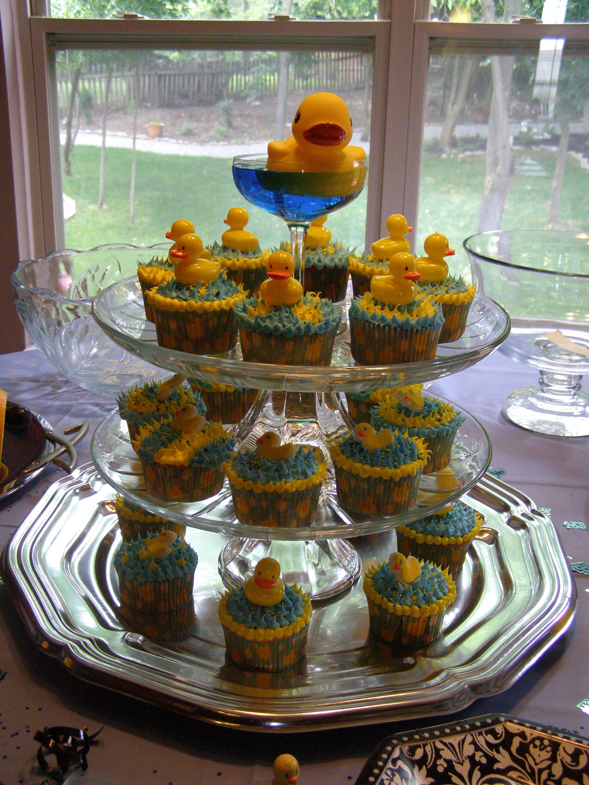 rubber ducky themed baby shower cupcakes babies showers pinterest