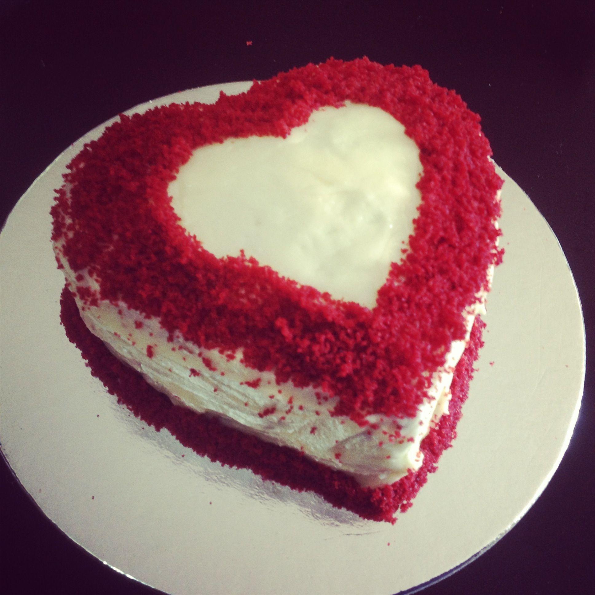 Red Heart Cake Images : Red velvet heart cake Love Bakes Good Cakes Pinterest