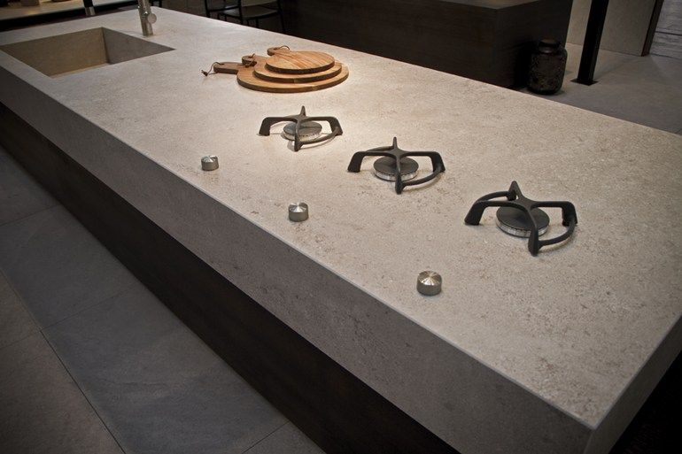 Piano cucina in gres elegant awesome piastrelle bricoman for Laminato bianco bricoman